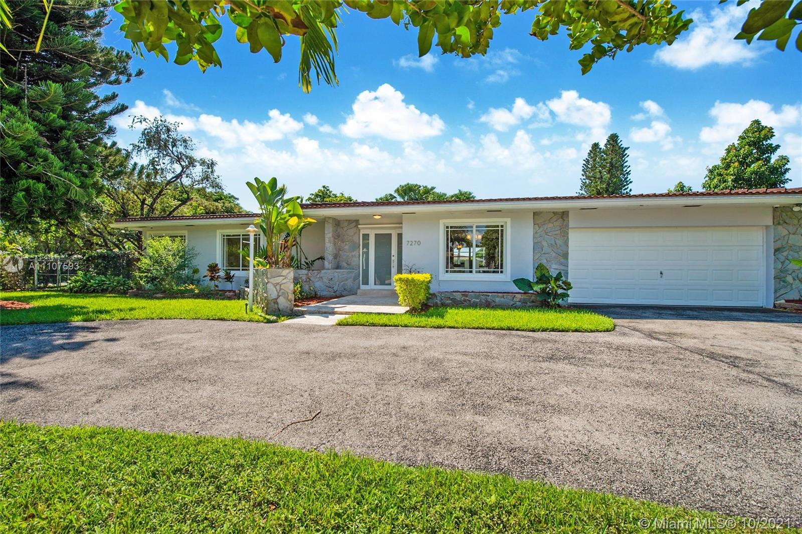 7270 SW 113th St  For Sale A11107593, FL