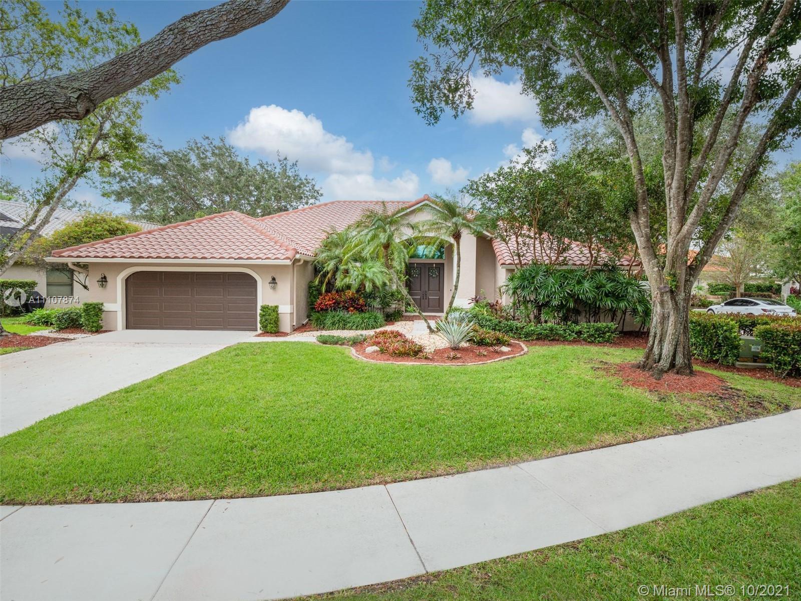1044  Woodfall Ct  For Sale A11107874, FL