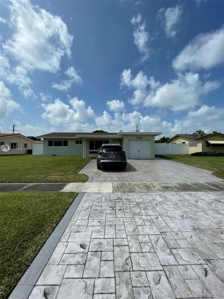 1712 N 44th Ave  For Sale A11108874, FL