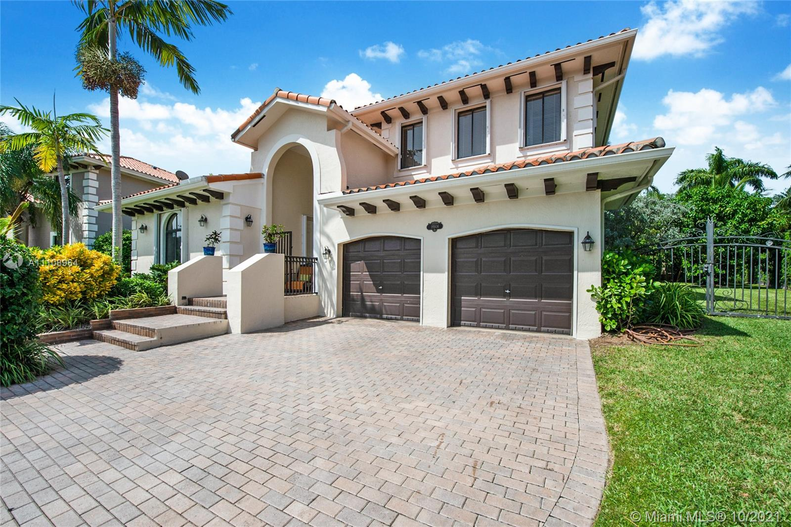 18906 SW 76th Ave  For Sale A11108964, FL