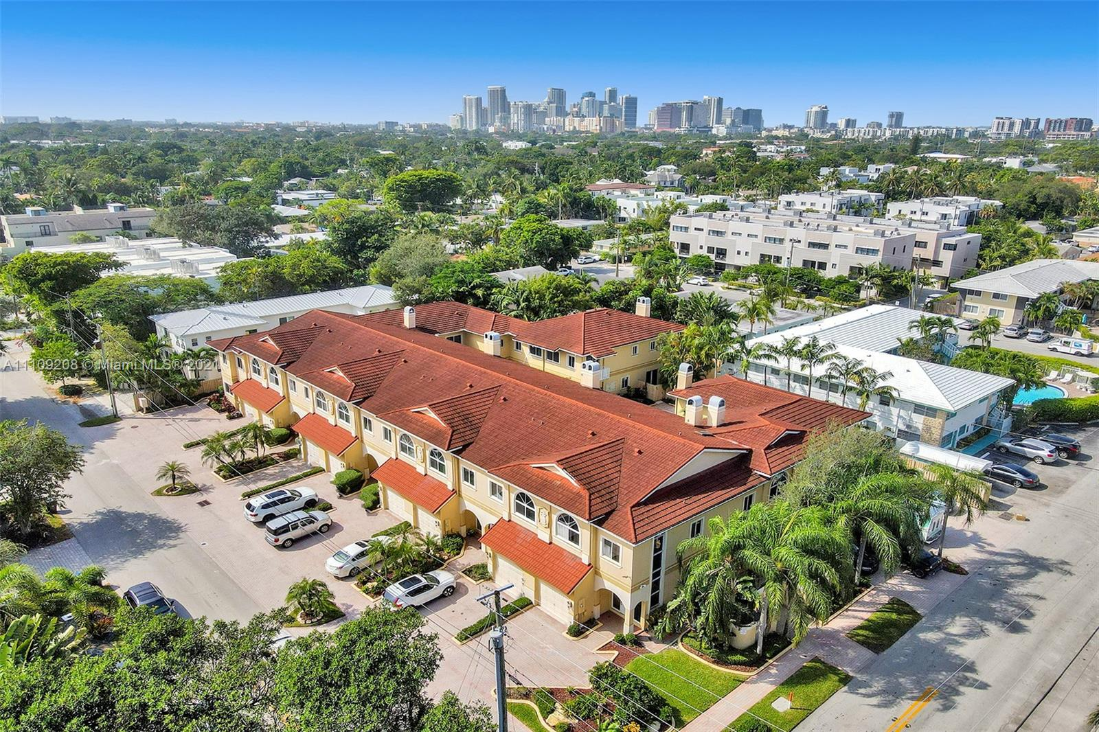 835 17th Way Unit , Fort Lauderdale, Florida 33304