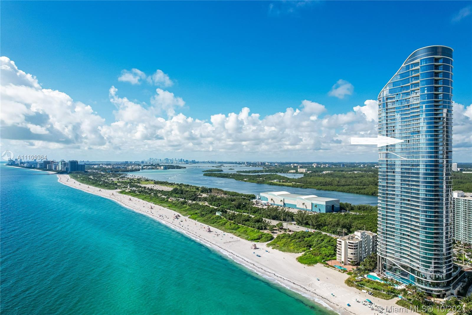 15701 Collins Ave 3703
