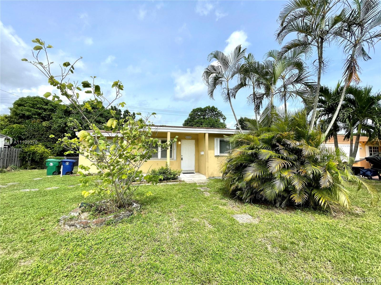 6529 SW 20th St  For Sale A11109278, FL