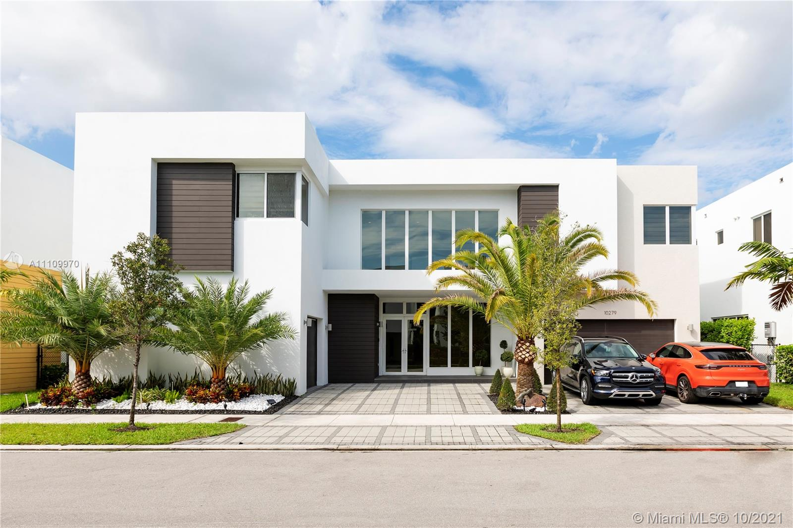 10279 NW 75 terr  For Sale A11109970, FL