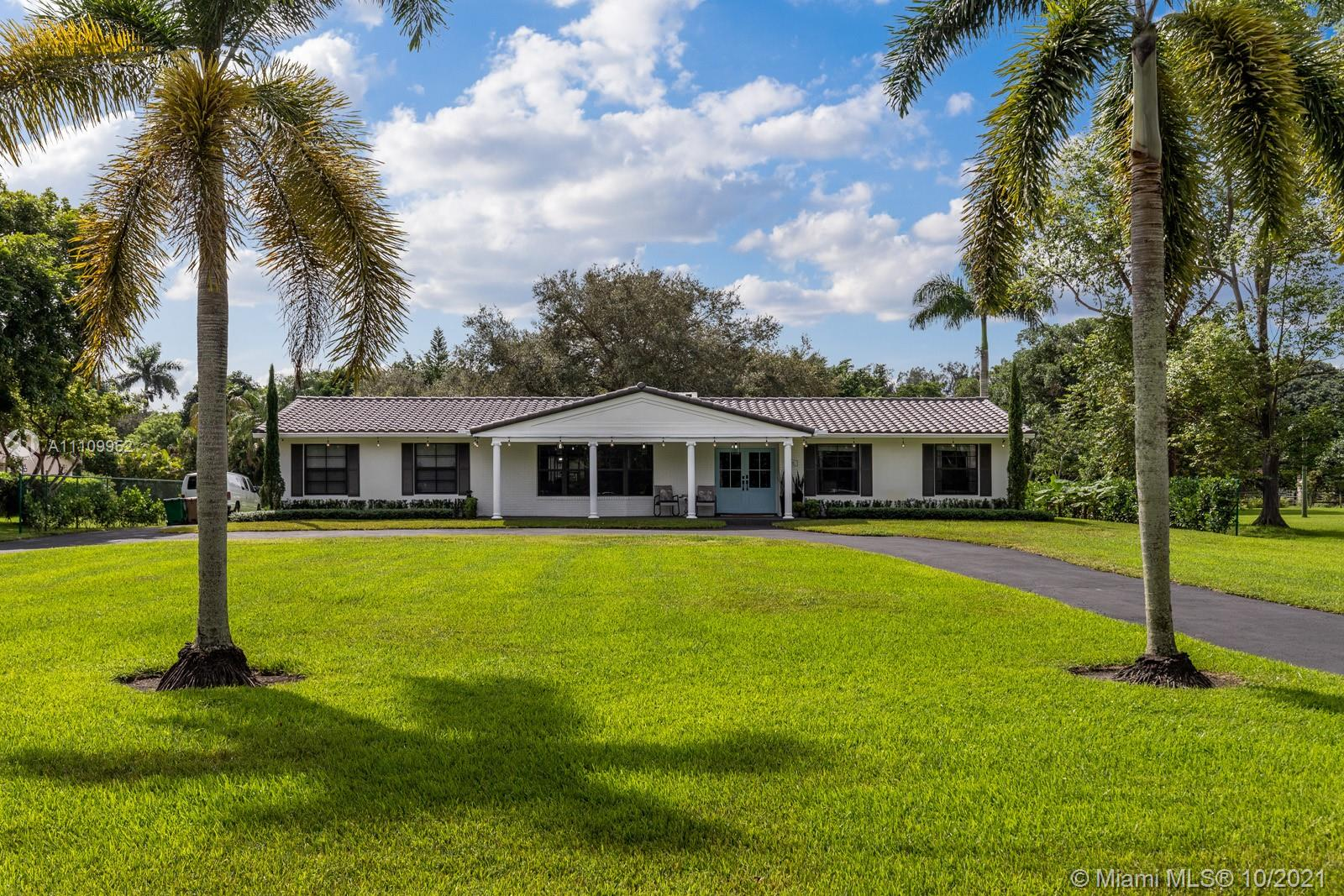 13850 SW 24th St  For Sale A11109952, FL