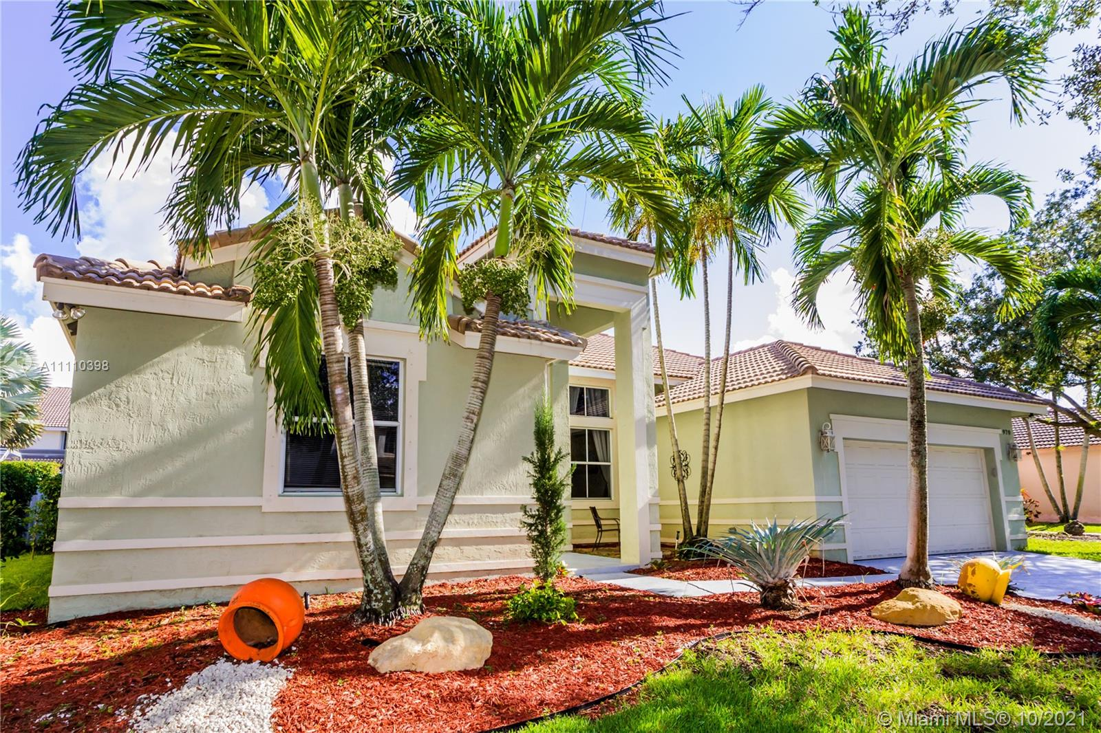 970  Greenwood Rd  For Sale A11110398, FL