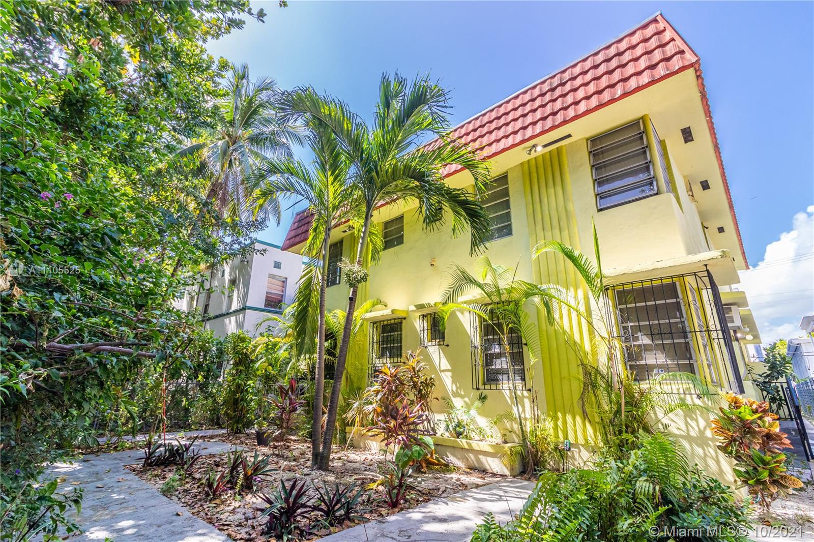 734  Meridian Ave #2R For Sale A11105525, FL
