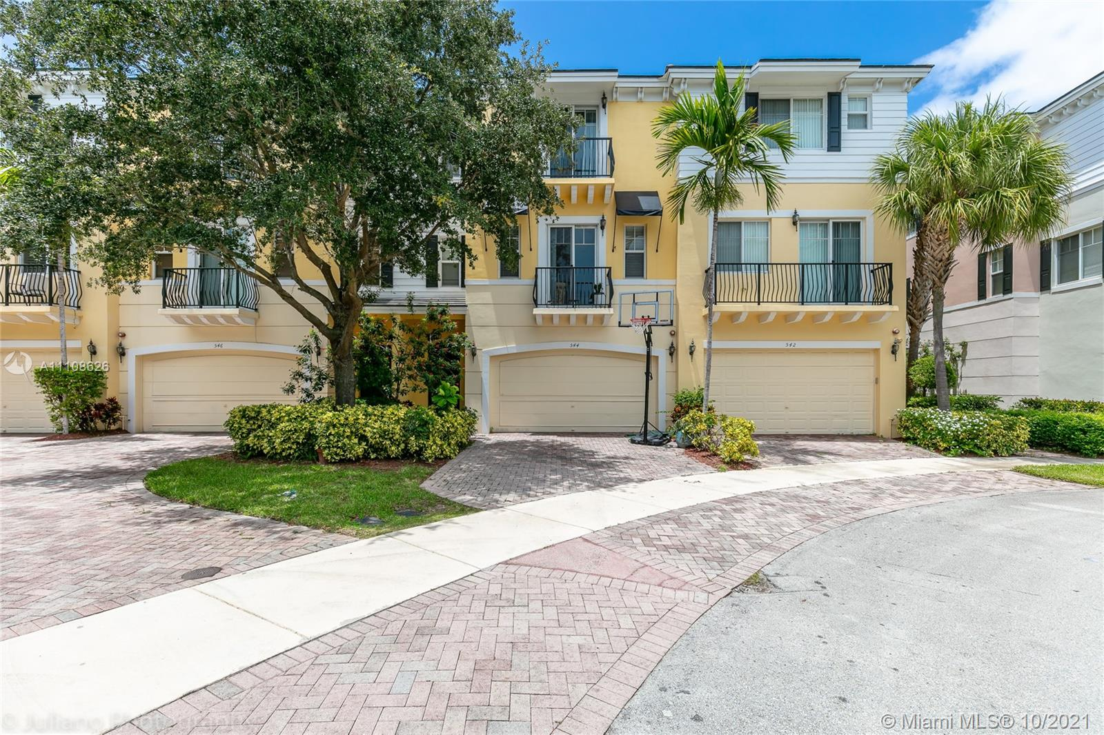 570 NW 35th Pl #570 For Sale A11108626, FL