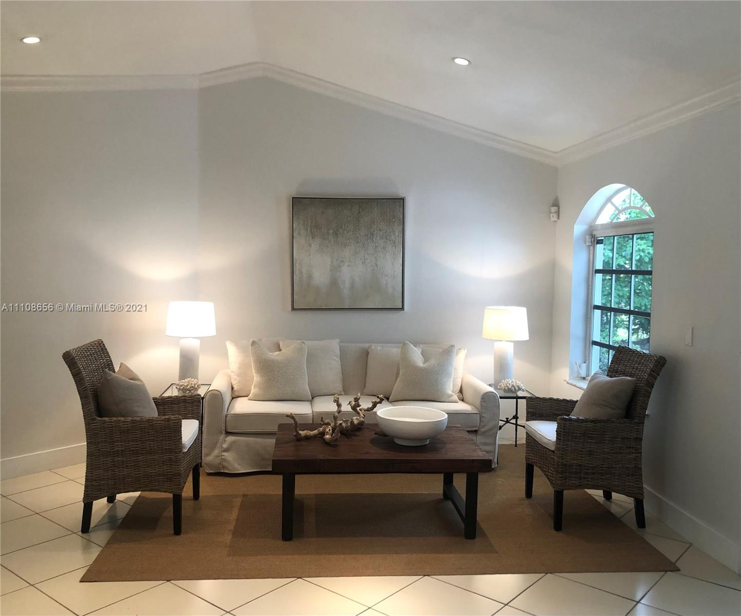 515  Woodcrest Rd  For Sale A11108656, FL