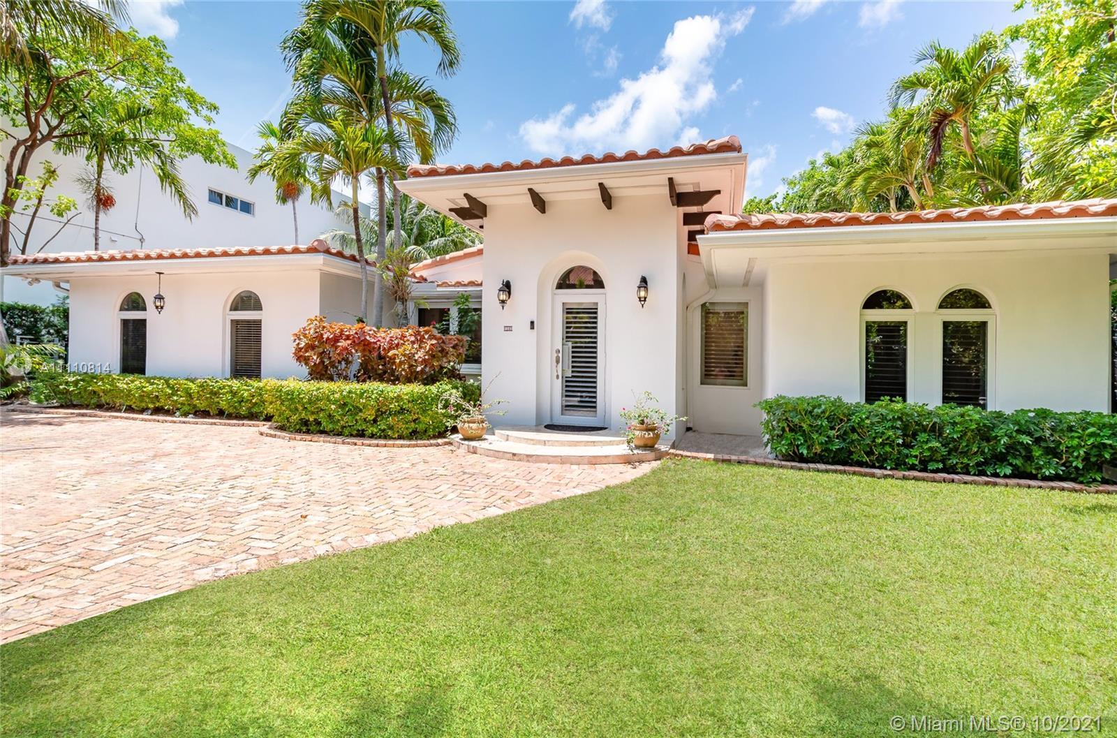 145  Hampton Ln  For Sale A11110814, FL