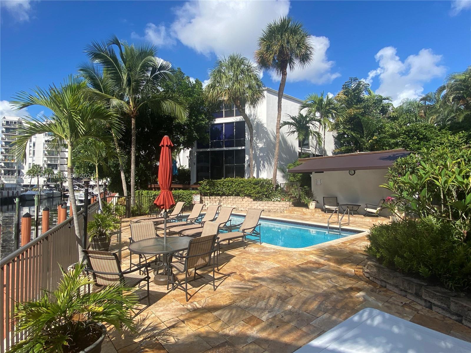 3074 NE 49th St, Fort Lauderdale, Florida image 3