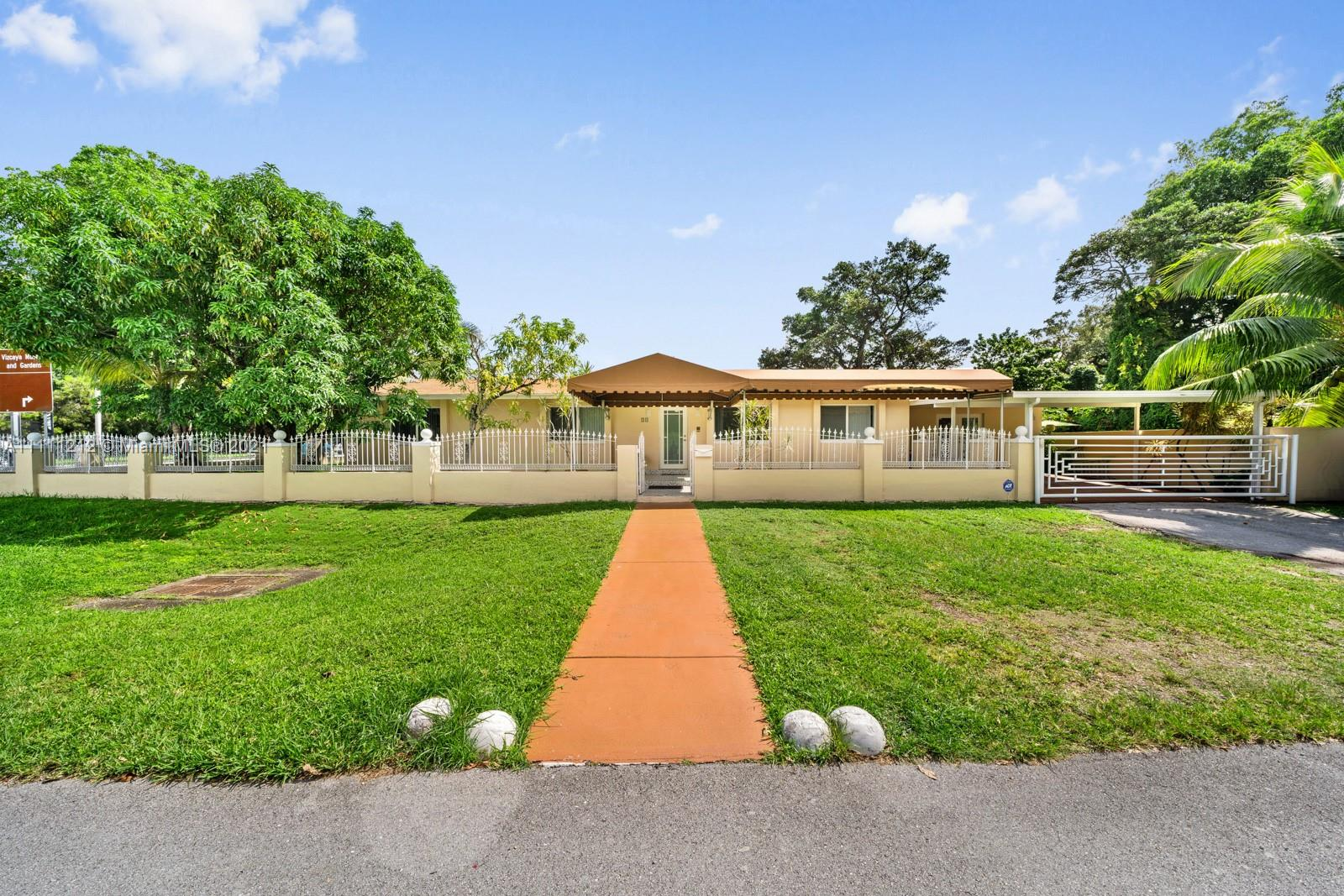 50 SW 26th Rd  For Sale A11111212, FL