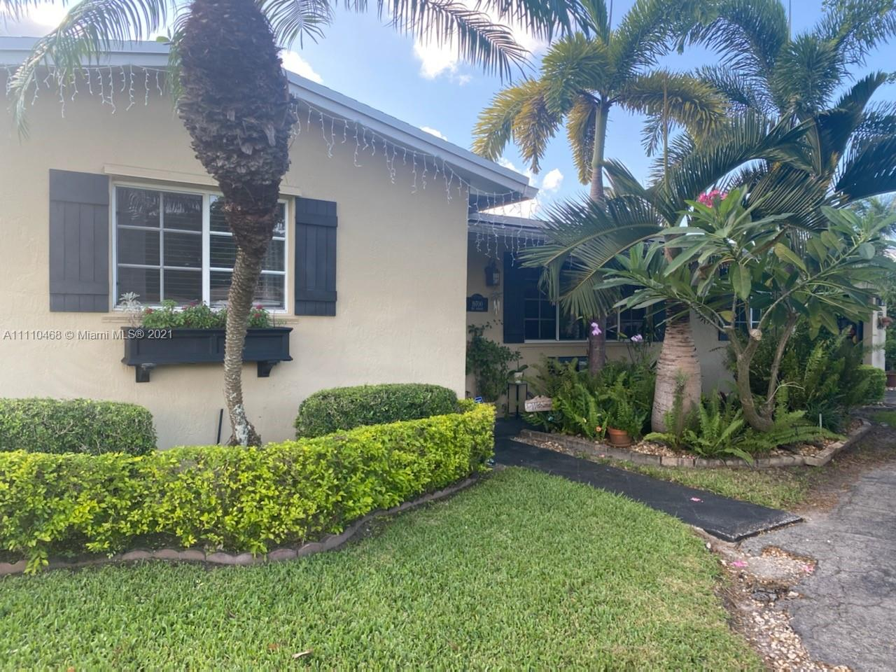 19700 SW 87th Ave  For Sale A11110468, FL