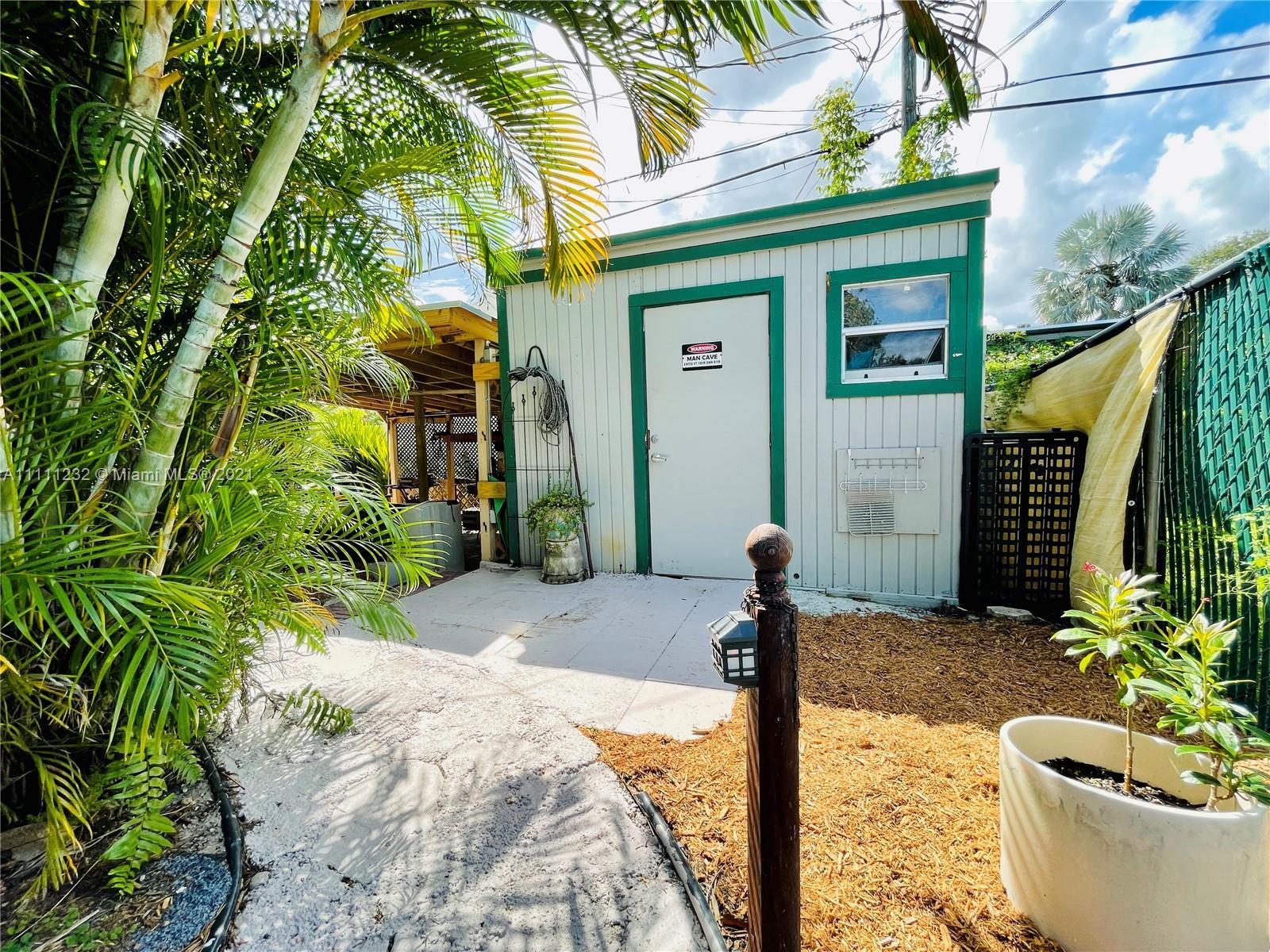 7221 Cody St, Hollywood, Florida image 16