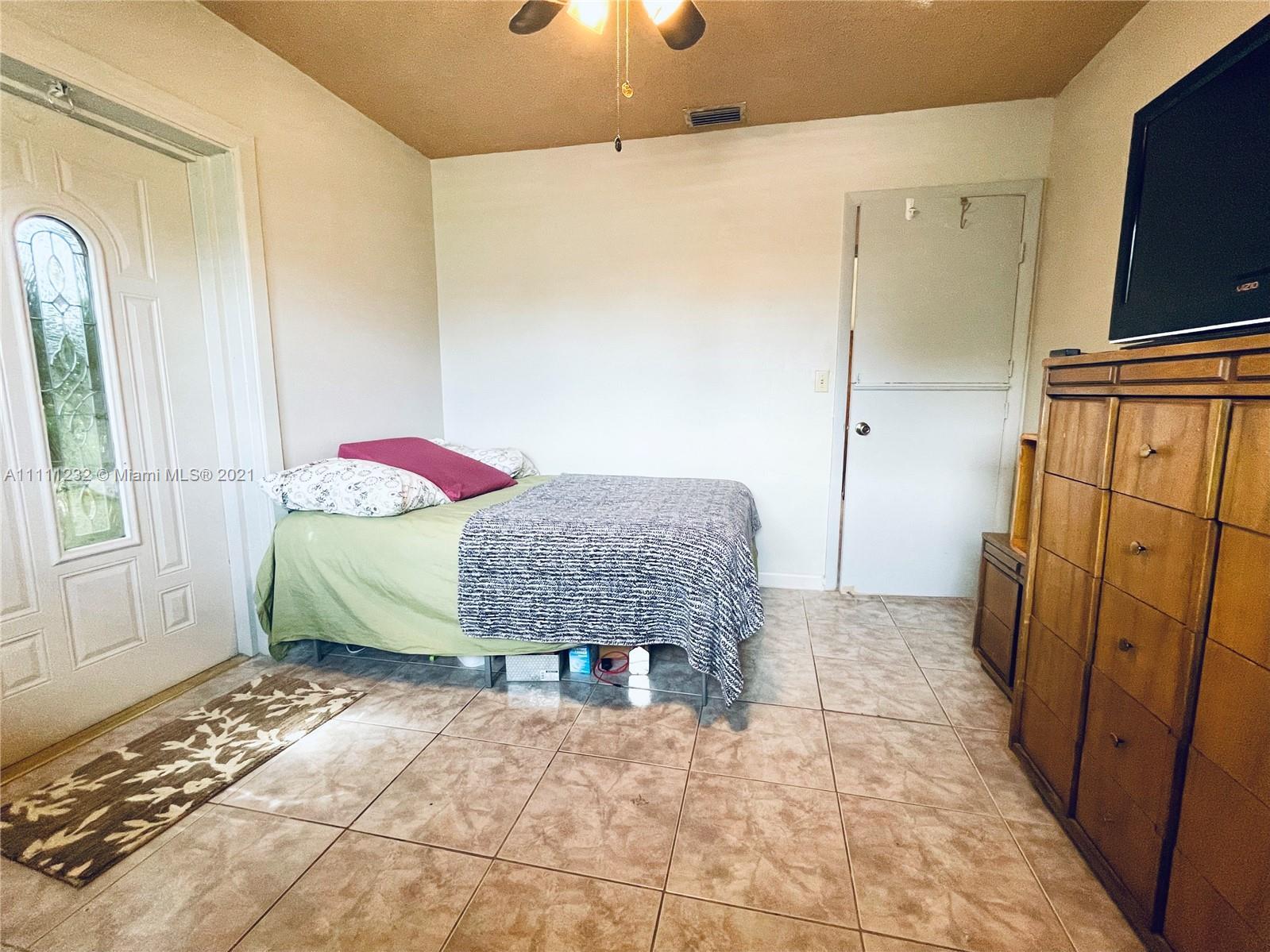 7221 Cody St, Hollywood, Florida image 8