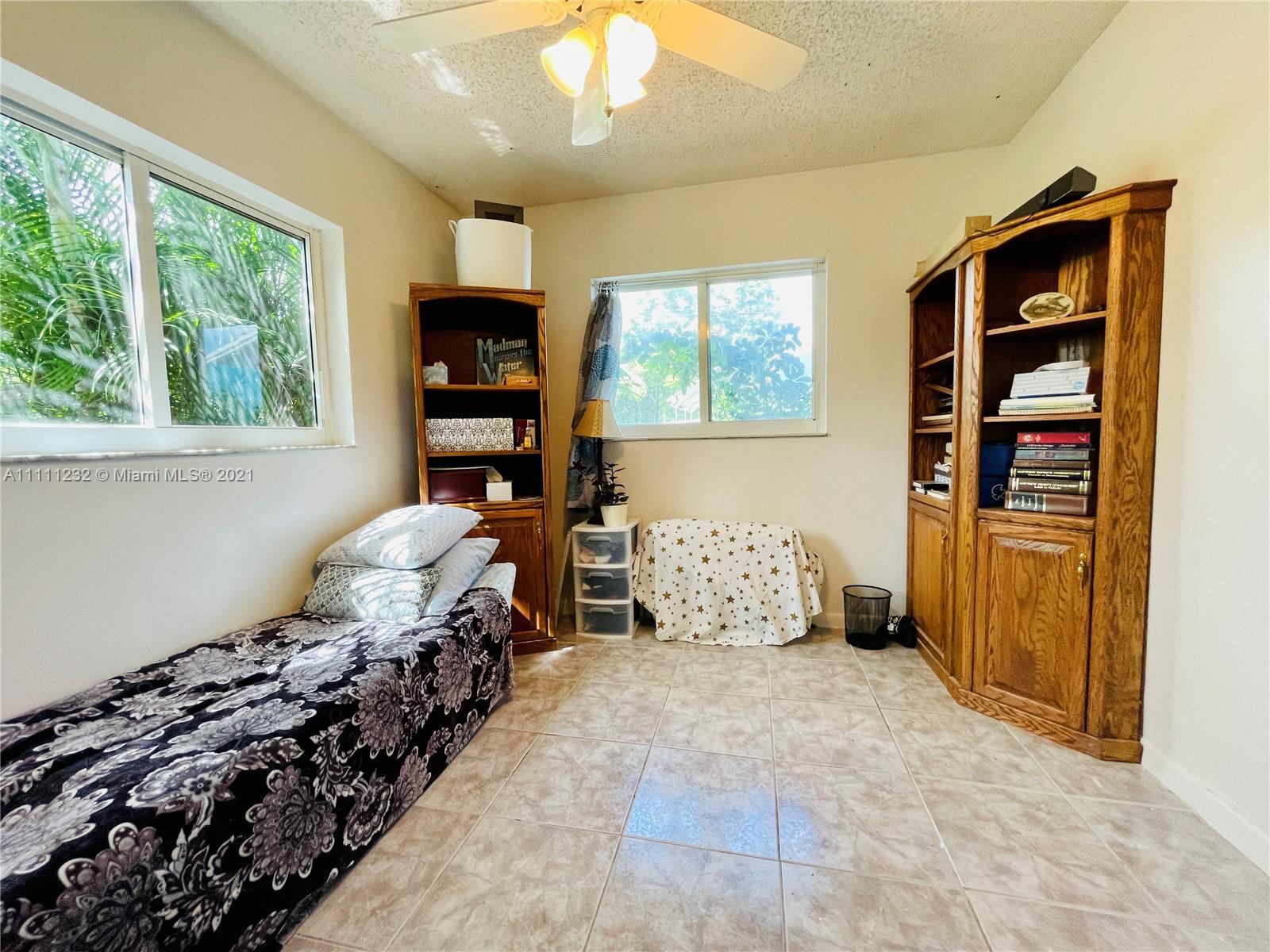 7221 Cody St, Hollywood, Florida image 5
