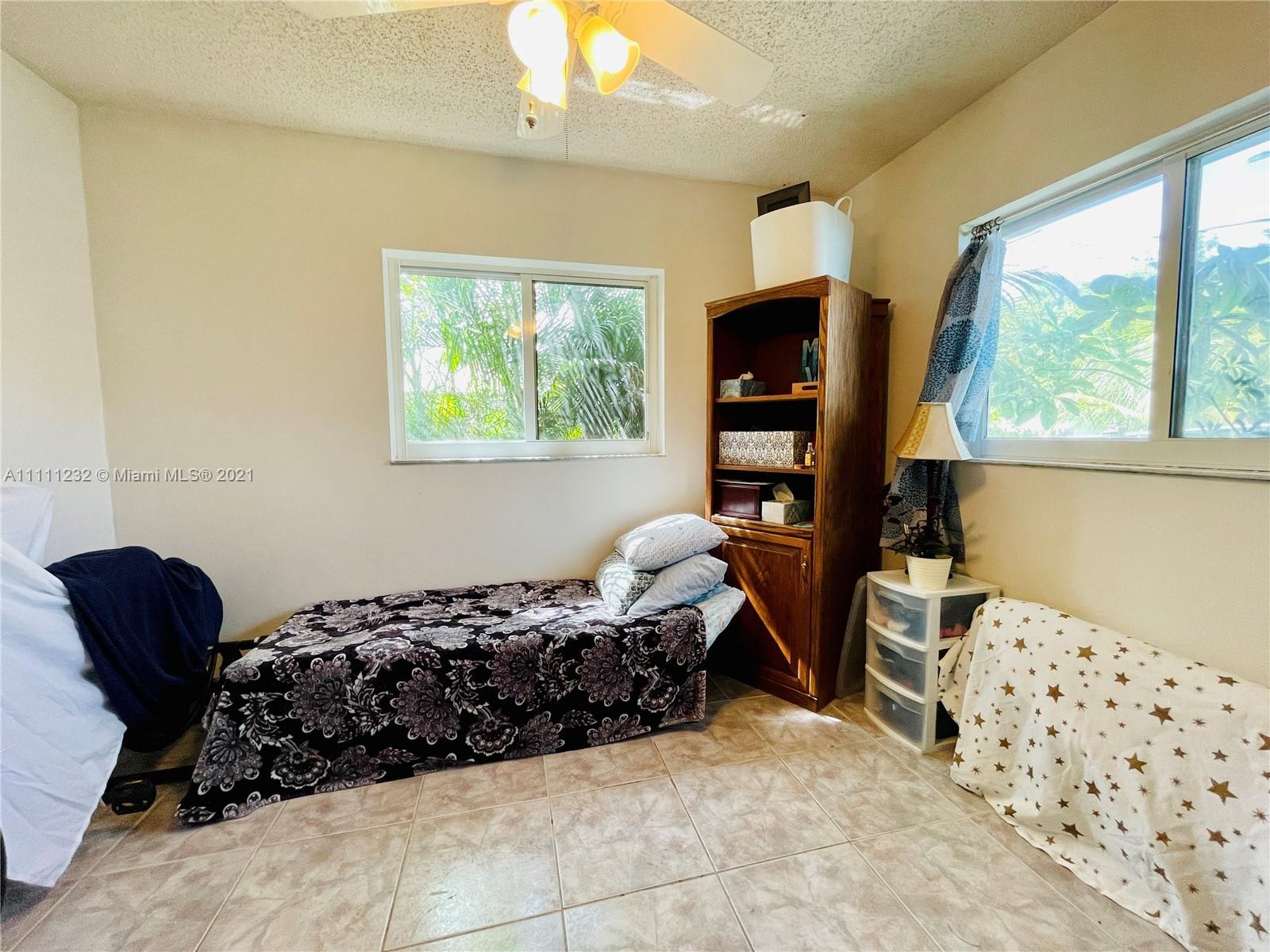 7221 Cody St, Hollywood, Florida image 4
