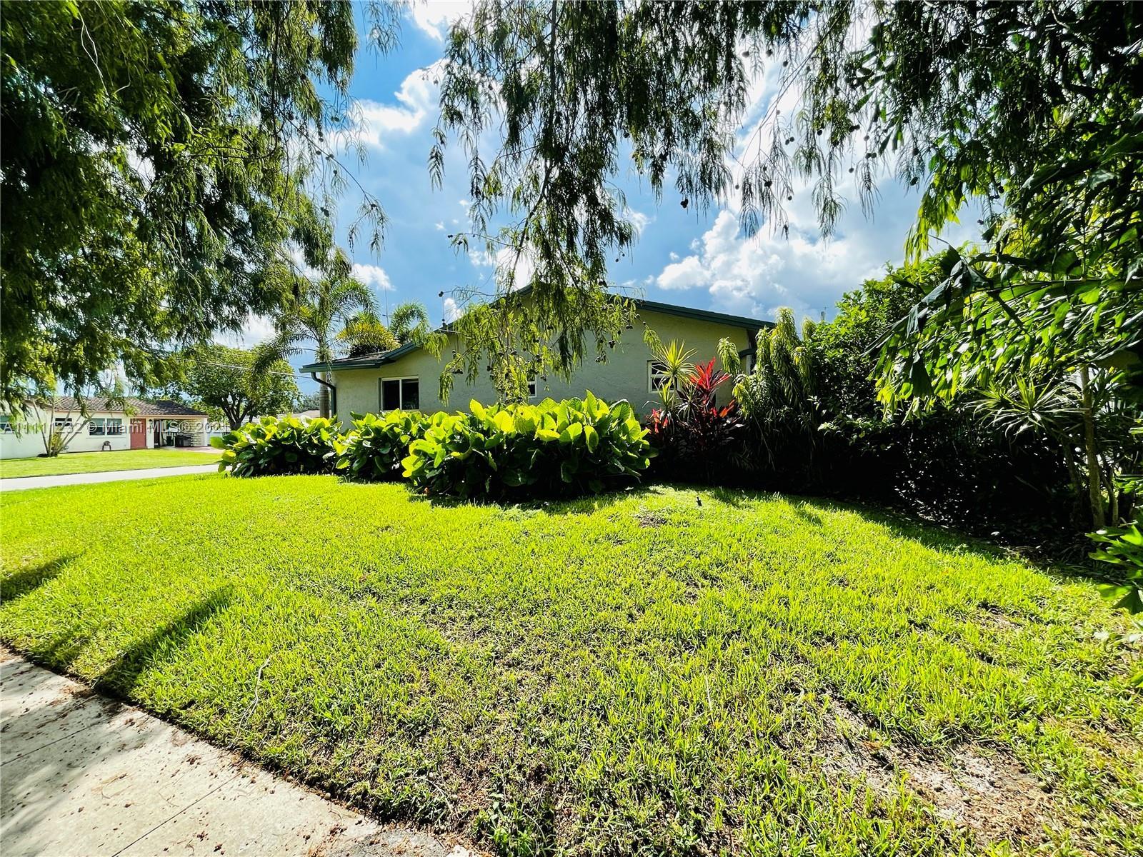 7221 Cody St, Hollywood, Florida image 2
