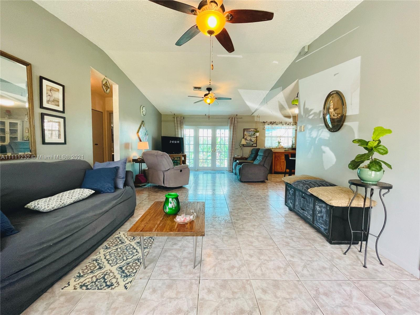 7221 Cody St, Hollywood, Florida image 31