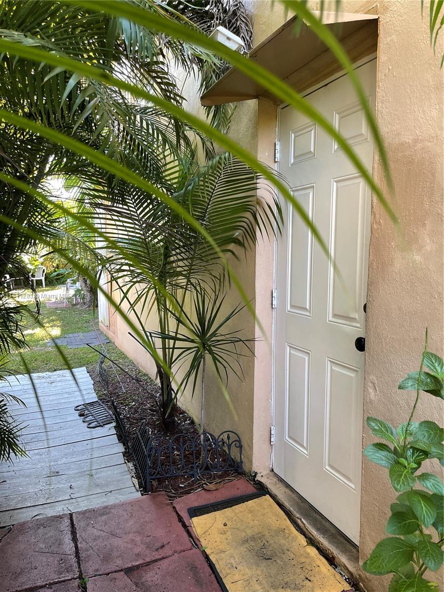 13925 NE 16th Ave  For Sale A11111283, FL