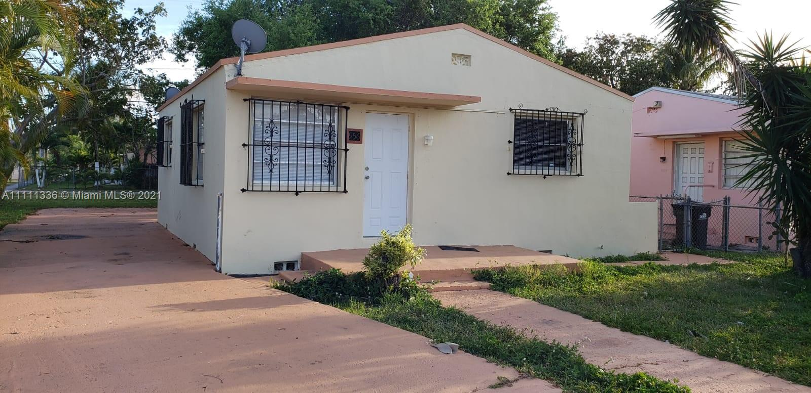 956  Superior St  For Sale A11111336, FL