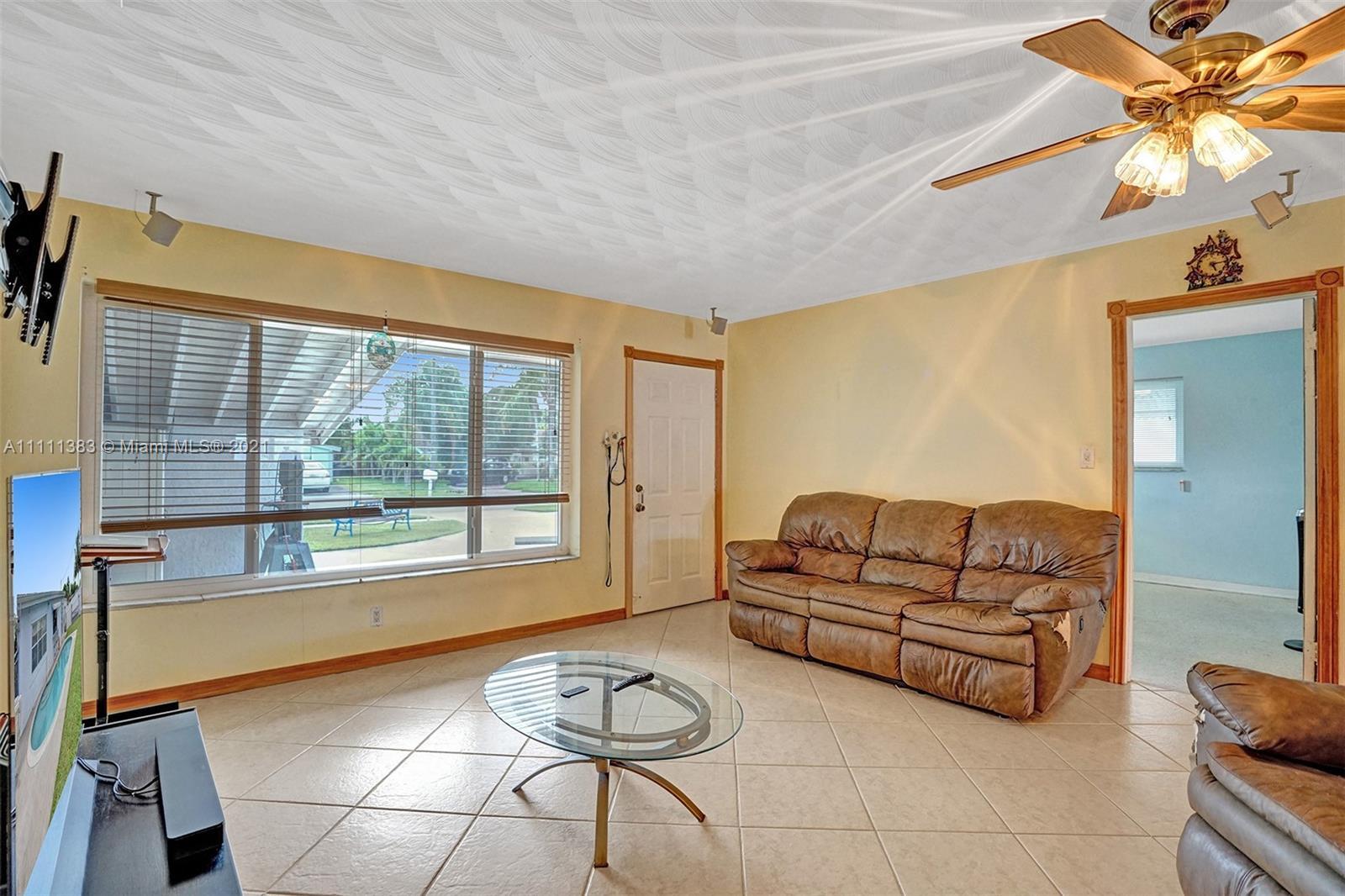 6461 Harding St, Hollywood, Florida image 32