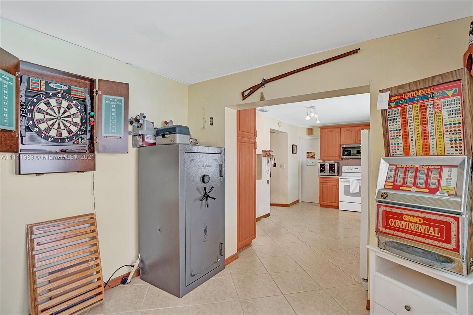 6461 Harding St, Hollywood, Florida image 22