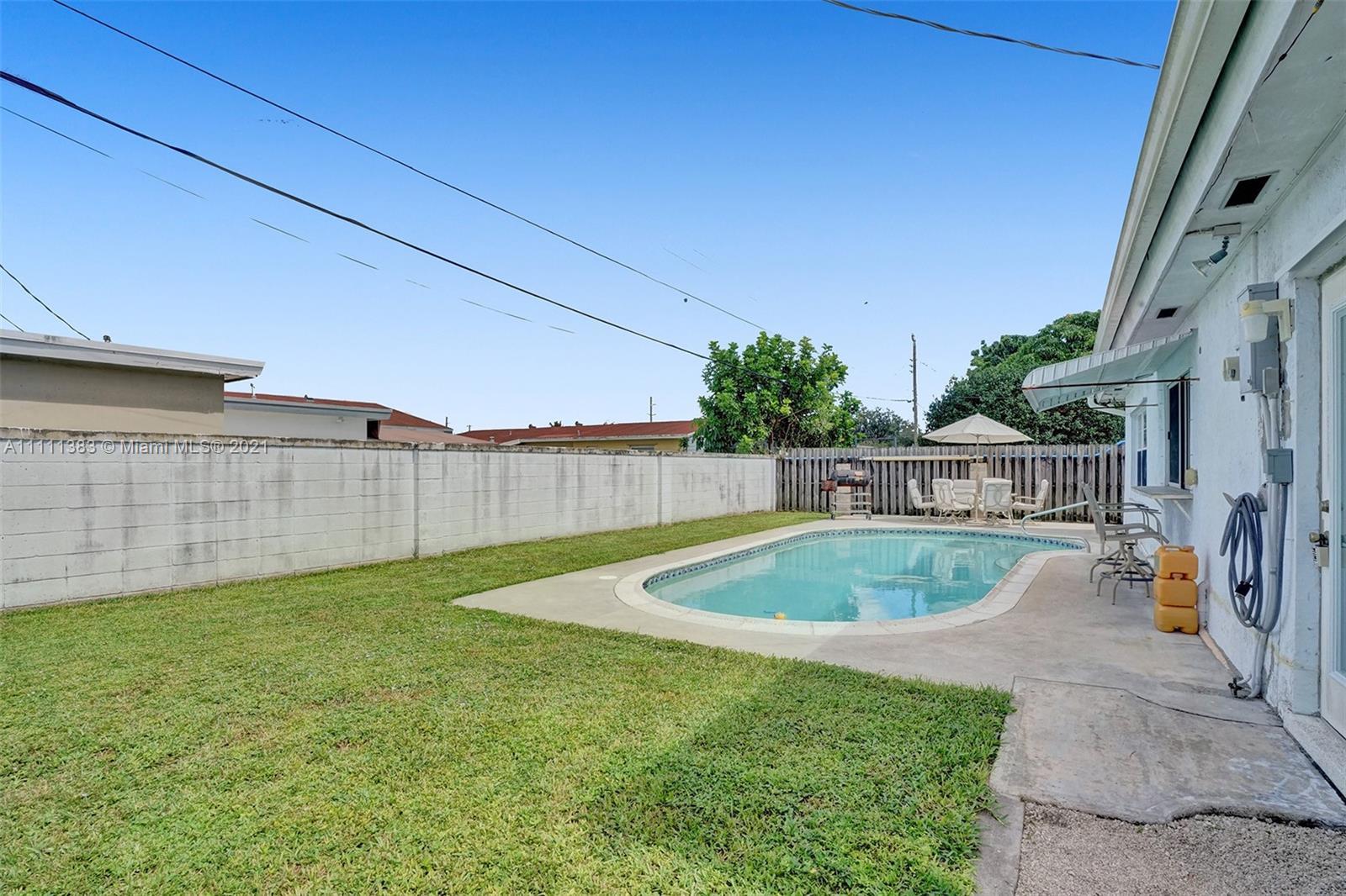 6461 Harding St, Hollywood, Florida image 5