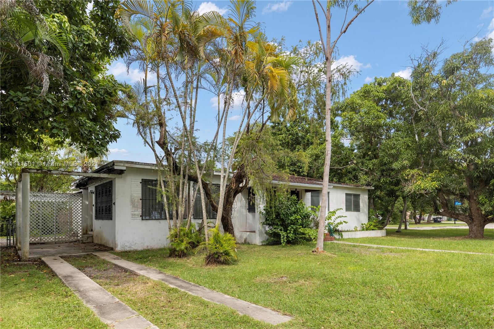 6501 SW 78th Ter  For Sale A11111501, FL