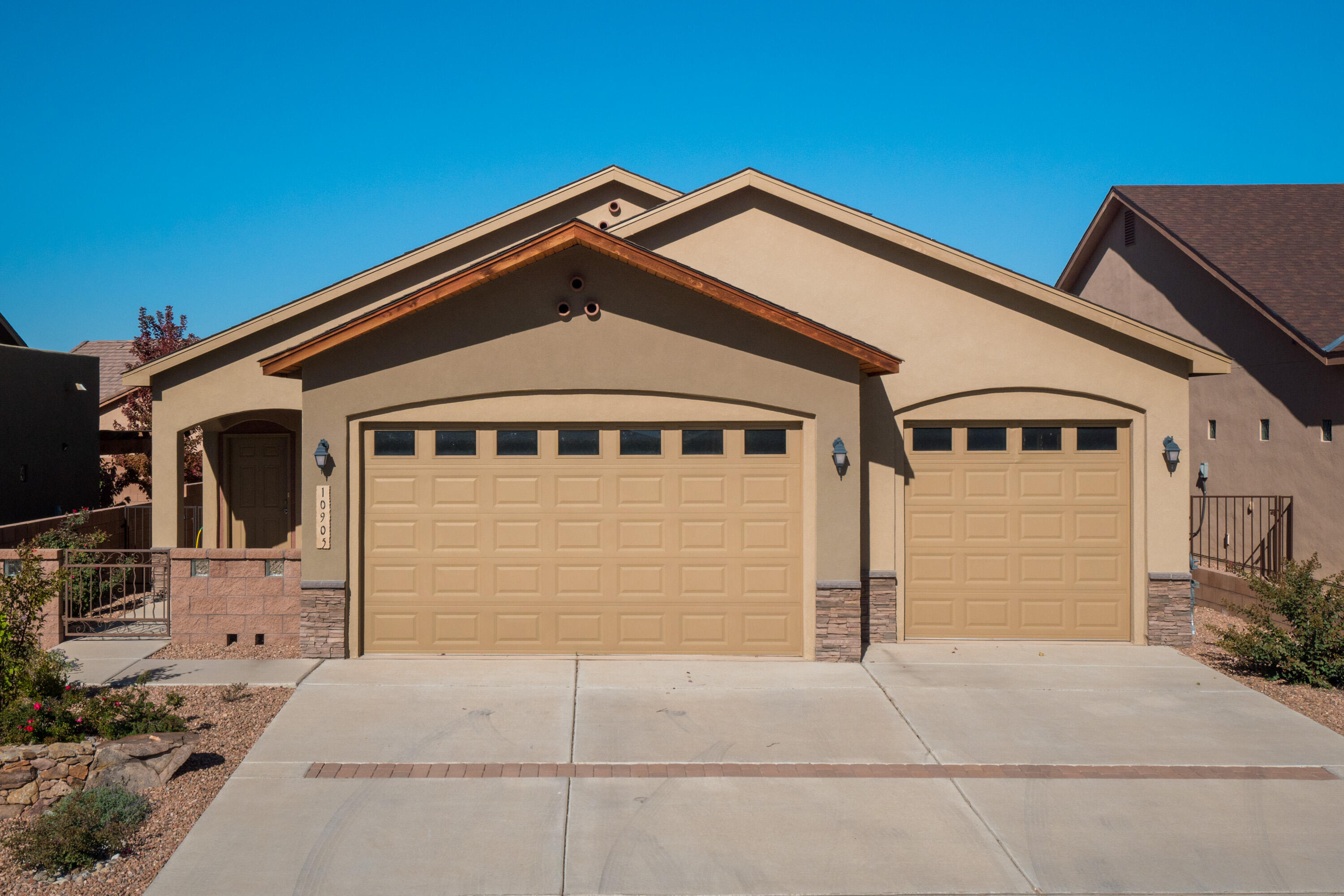 You could start the new year in this Sweet Saltillo home !! Sought after home with 3 car garage -single level Green Build home- enter from a gated courtyard --it feels like new (just 5 years old)  with beautiful Hickory cabinets, cosy gas fireplace with stone surround. Great layout -master has a double vanity with 2 closets.  2 additional bedrooms plus a dining area. Large covered patio with gas stub. All this AND the benefits of a Paul Allen energy efficient home- Tankless heater Heater, 95% Efficient Furnace, Carrier 16 SEER Refrigerated Air, Low E Windows, -- Make sure you see it this weekend ..