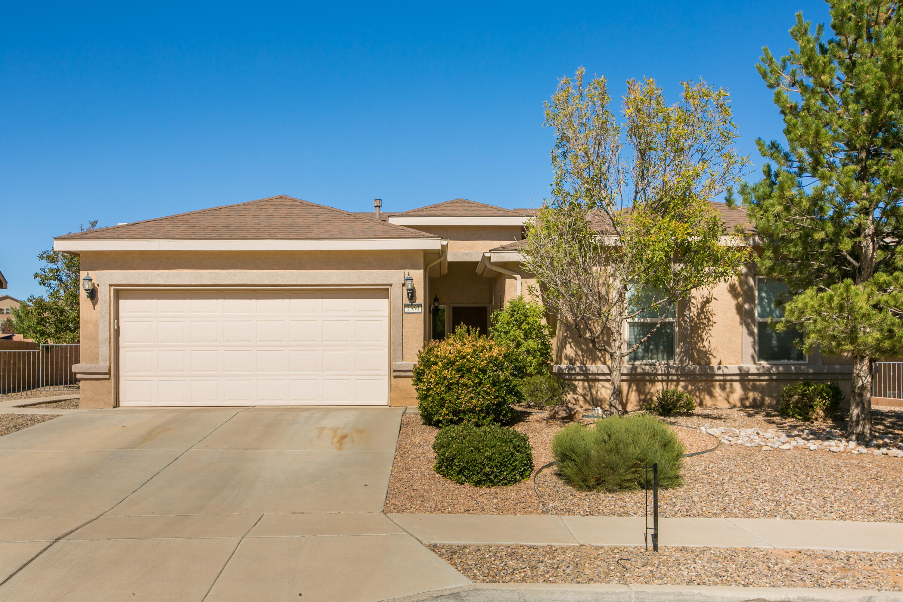 Incredibly flexible floorplan in this rare 4 bedroom house. You're welcomed by a generous entryway with room for a table and high ceilings. Lots of functional wall space throughout the house makes displaying your art a breeze. Lots of room to work from home and home school with a formal dining room with an extra ''free space'' area far from the bedrooms. Granite counters, open kitchen with island, lots of cabinet and counter space, an eat in nook with lots of light make this house highly functional and welcoming. Plus a fireplace for those cold days. No neighbor immediately behind makes the lot feel spacious. Room for gardening, and a huge locking shed completes the property's appeal.New roof being installed in November.
