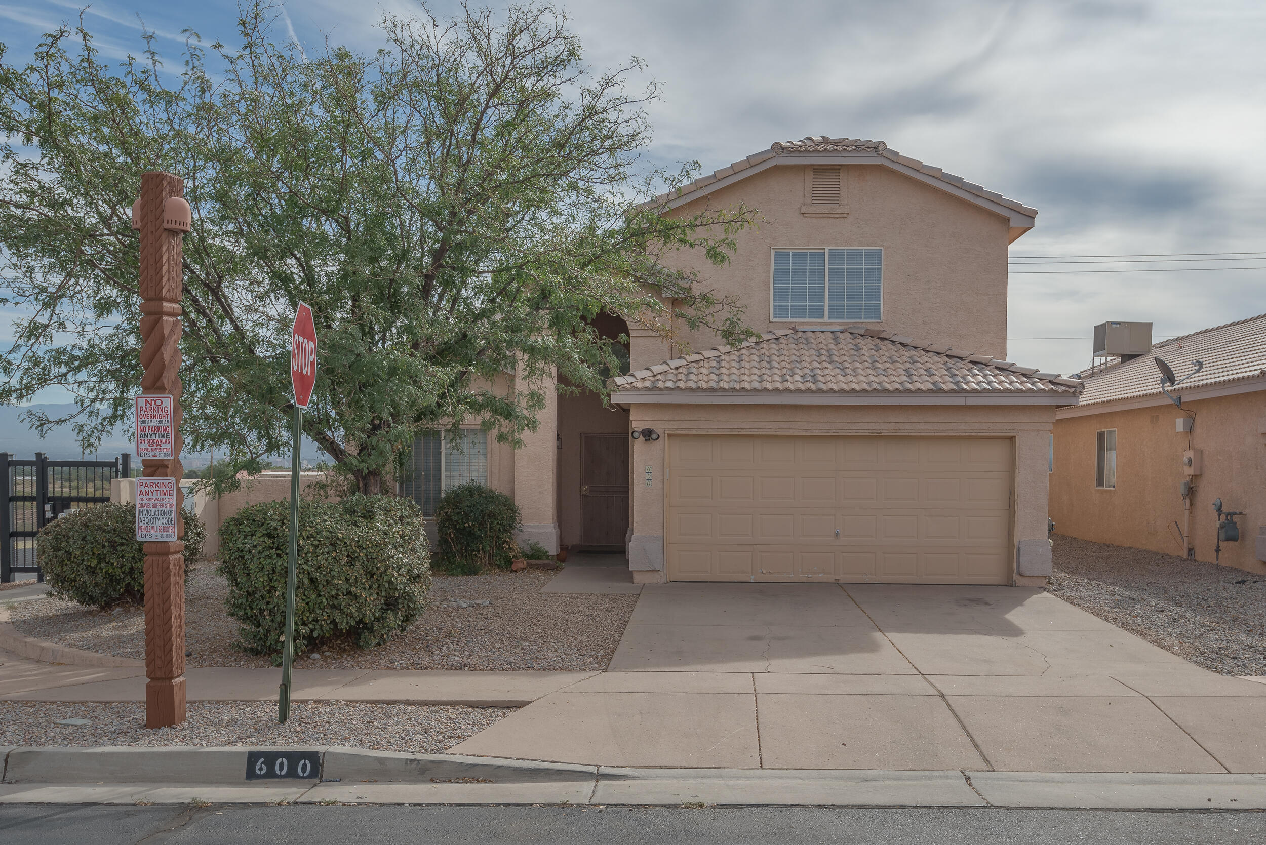Come see this beautiful 3 bedroom, 2 bath, 2 car garage with a oversized loft and huge master bedroom by DR Horton located in the desirable Encanto Village gated community! This home has updates throughout, fresh paint and great city/ mountain views. This is one you don't want to miss!!