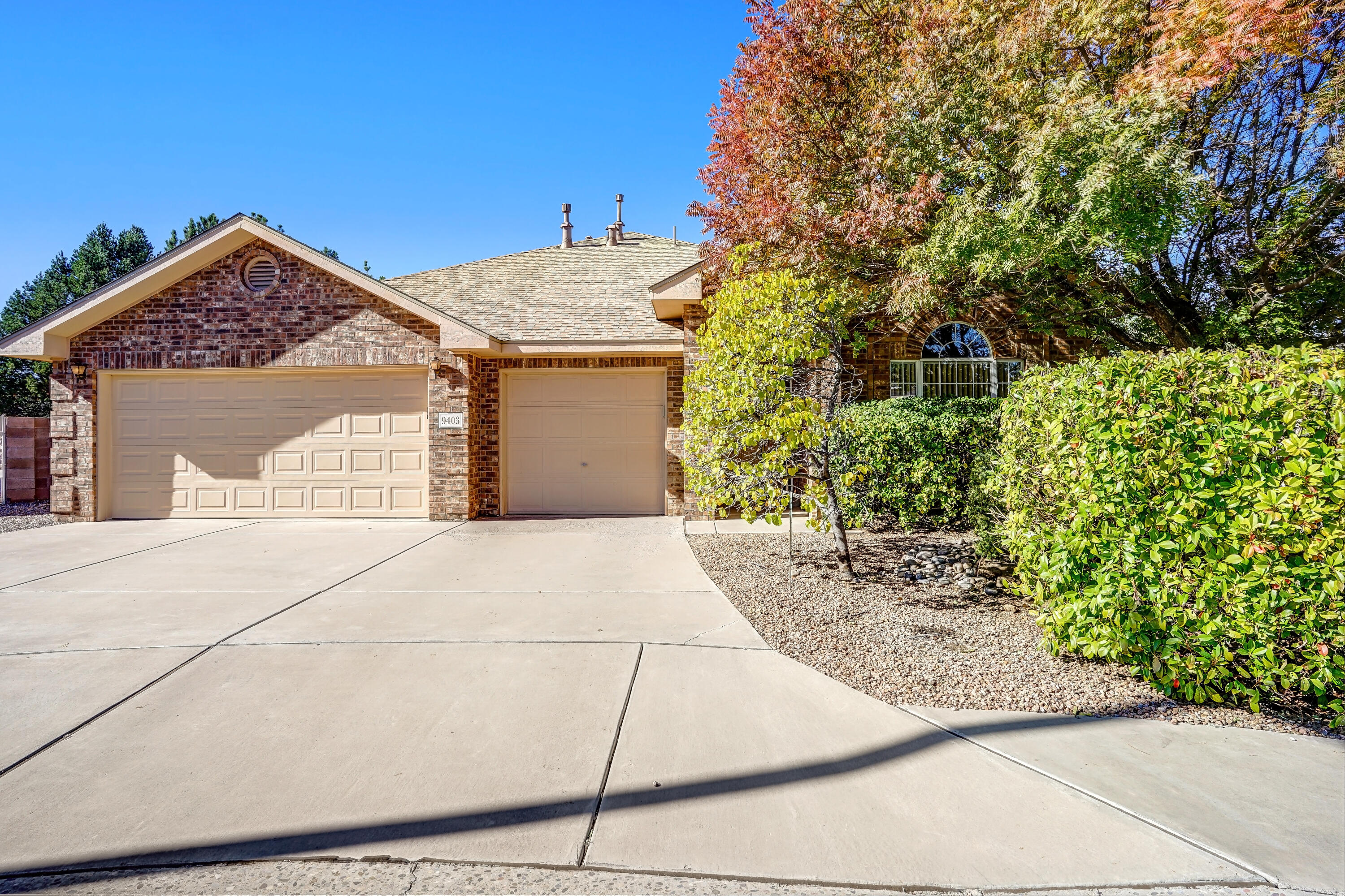 Welcome to this lovely brick single story home in Ventana Ranch.  Hard to find 1 story with a 3 car garage, plenty of room for all your toys.  This home features 2 living spaces and multiple dining options too.  Master suite is spacious and is separate from the other bedrooms.  Large master bath with separate tub, dual vanities and a walk-in closet.  Back bedrooms share a jack & jill bathroom.  Updates include brand new carpet, and a newer HVAC system with AC and newer roof in recent years too.  Come see this wonderful home today.