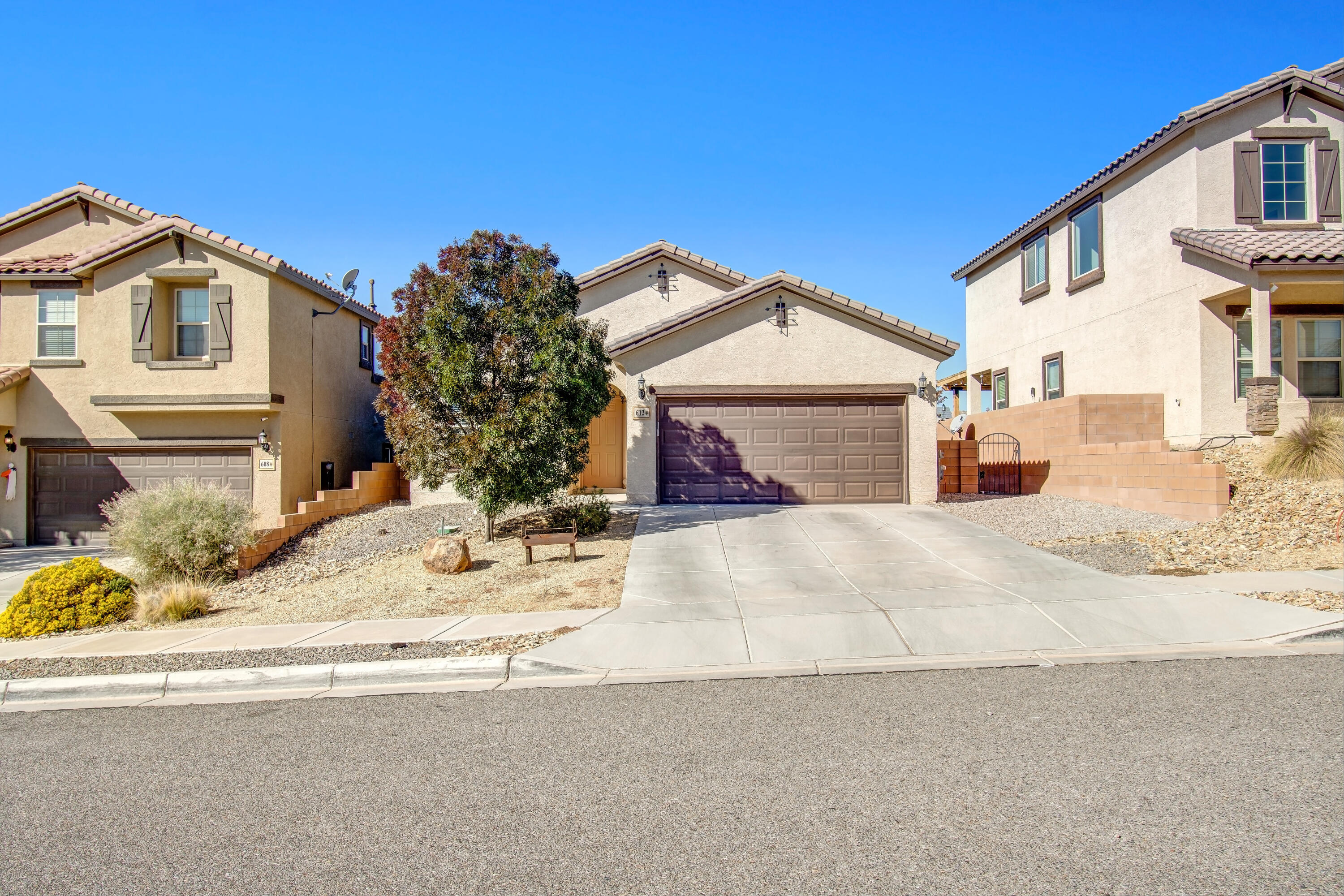 Beautiful home in the heart of Rio Rancho located in the highly desired Loma Colorado Subdivision.  Enjoy this open floorplan with plenty of space for all.  Master is nicely tucked away for privacy.   Back yard is ready for enjoying fall evening with loved ones.  Don't miss your chance to see this one.