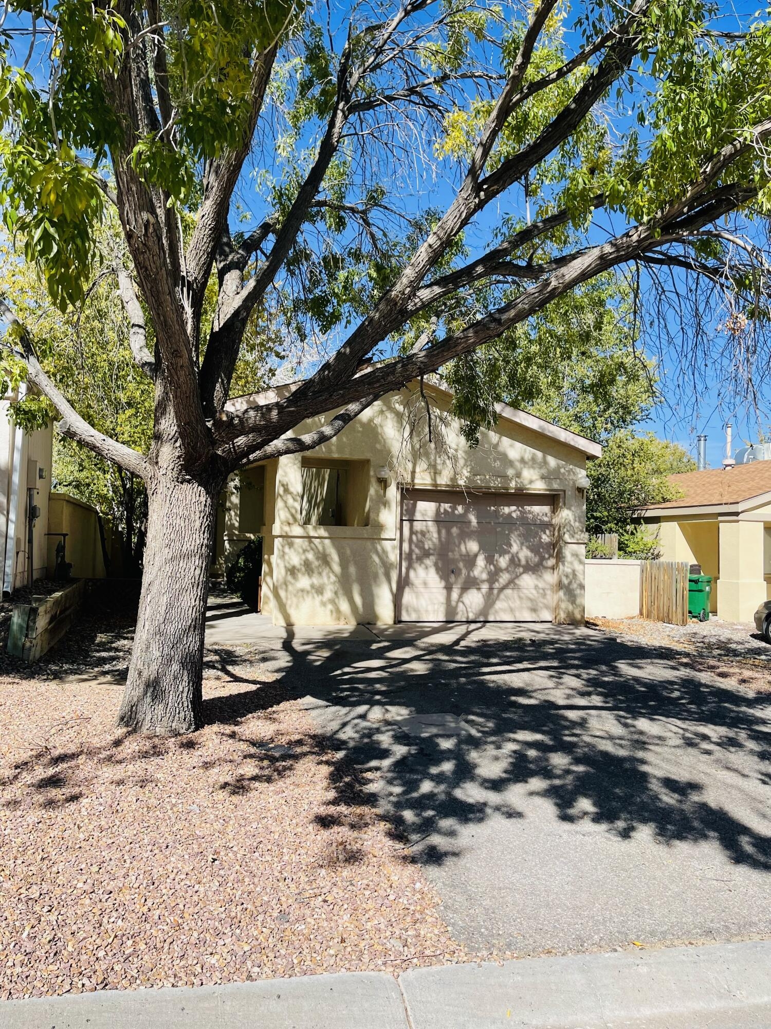 Move in ready. Property has 2 bedrooms, 2 bathrooms. Walk in Master Closet, courtyard in front, spacious backyard and a 1 car garage. Newer water heater and carpet in bedrooms and living area.