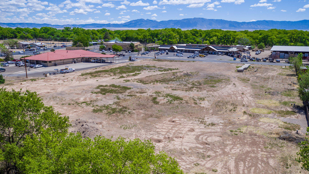 Choice commercial property centrally located in the fast growing heart of Los Lunas. This property consists of over 3 acres and has potential for many commercial uses.