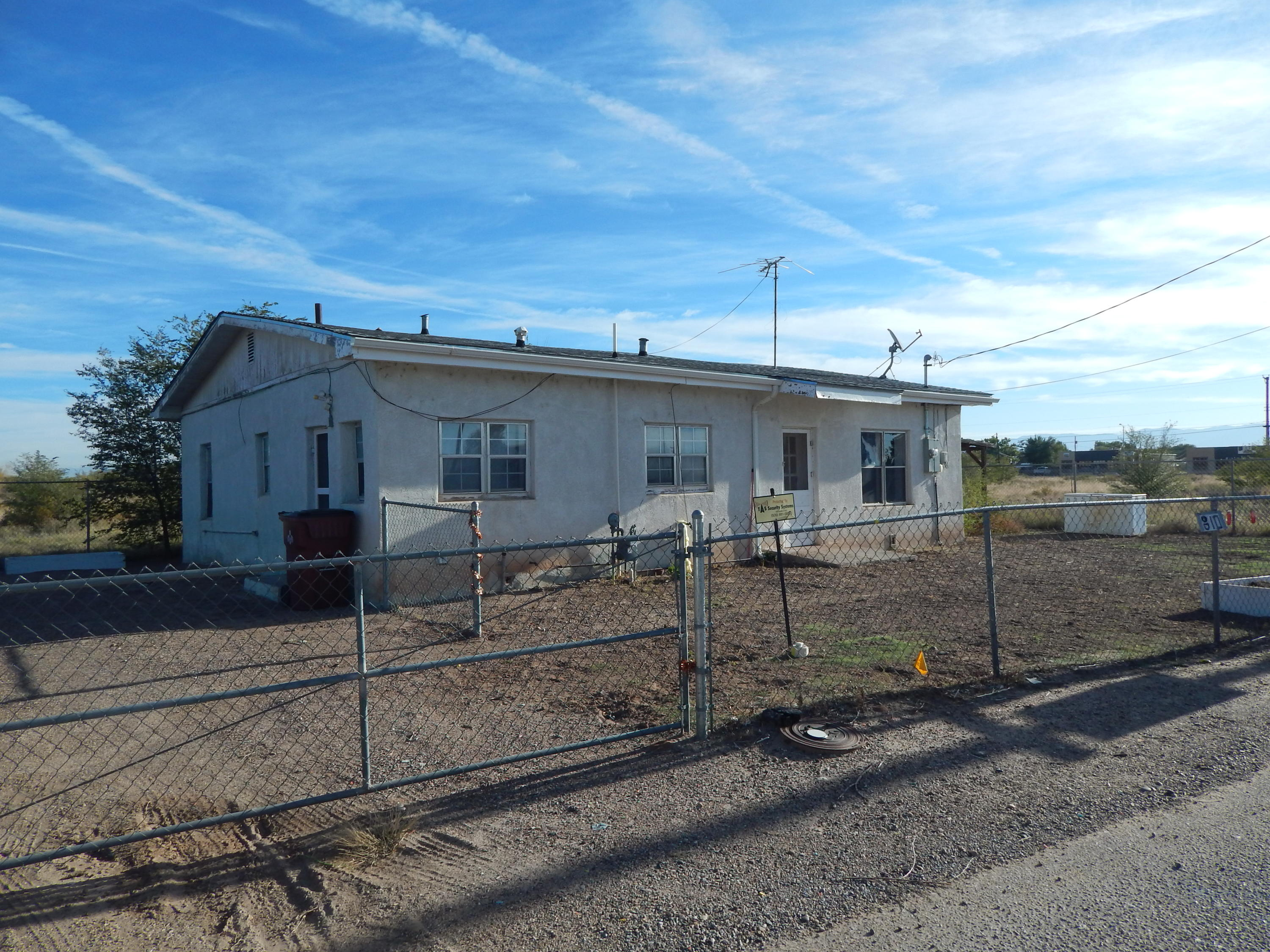 3 bedroom, 1 bath, 1,338 sq ft in convenient Belen location.  Completely fenced with plenty of space to park extra vehicles.  Needs some TLC.