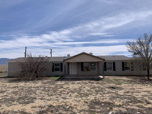 Spacious manufactured home located in the Meadowlake community. Awesome VIEWS of the mountains from the backyard. Seller will not complete any repairs to the subject property, either lender or buyer requested. The property is sold in AS IS condition.