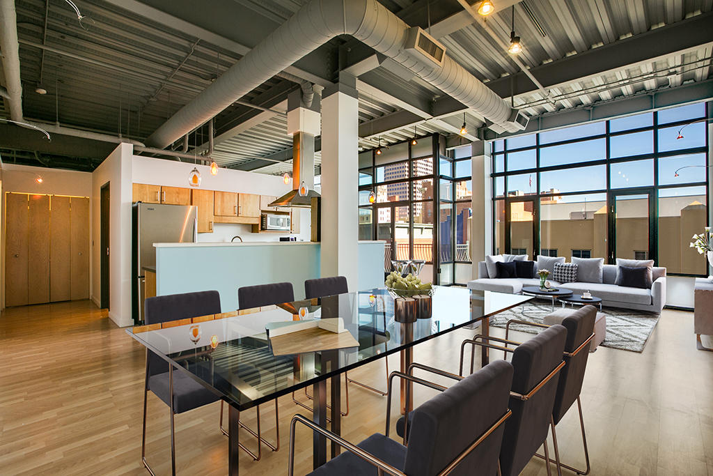 Unique! This Loft is the ONLY 3 bedroom, 2 bath unit at the Lofts at 100 Gold. Enjoy the convenience of Downtown Albuquerque. Minutes to hospitals, University of NM, Kirtland Air Force Base, Old Town, Rail Runner, and the city's new Rapid Transit system. Minutes from the ABQ BioPark, Tingley Beach Open Space, the Albuquerque Country Club with its world famous golf course, International Sunport, and right across the street from the Silver Street Market grocery store. Stainless appliances. Floor to ceiling windows. Blackout shades for privacy. Welcome to 100 Gold!