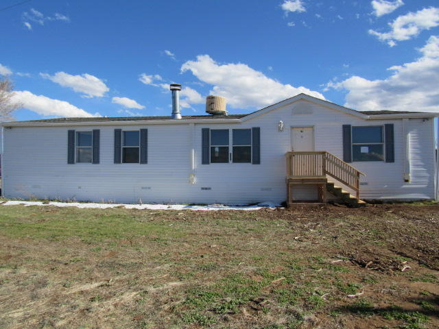 This mountain property is located on 2 acres and is ready for someone to make it their own. Spacious kitchen with island. Fireplace in the living room. Master bath has double sinks, large tub and a separate shower. Septic and termite inspections completed. Check it out! Seller will not complete any repairs to the subject property, either lender or buyer requested. The property is sold in AS IS condition.