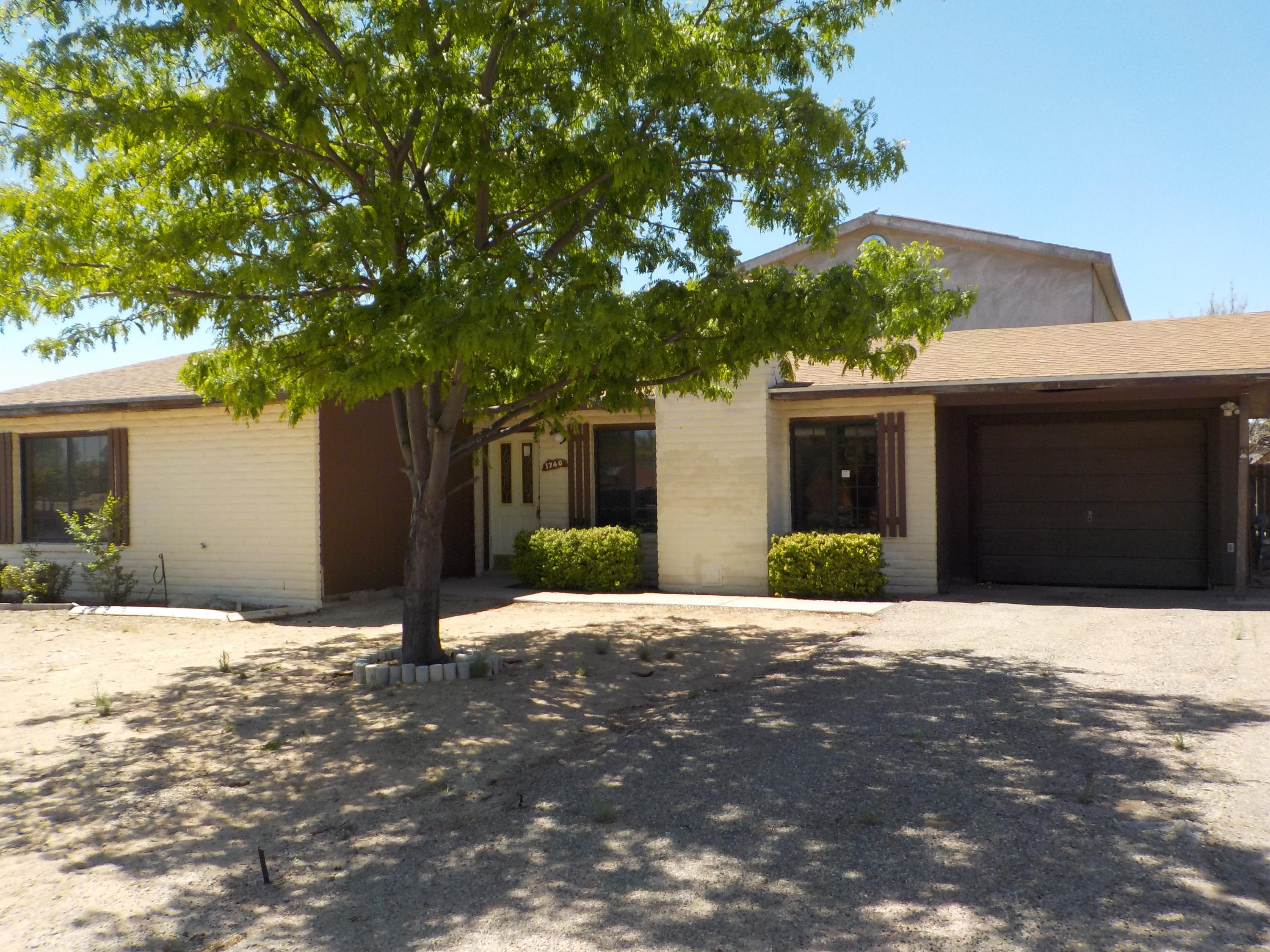 Located in the heart of Rio Rancho. Great home with 4 bedrooms and three bathrooms. Open floor plan, large living area, spacious kitchen and bedrooms.