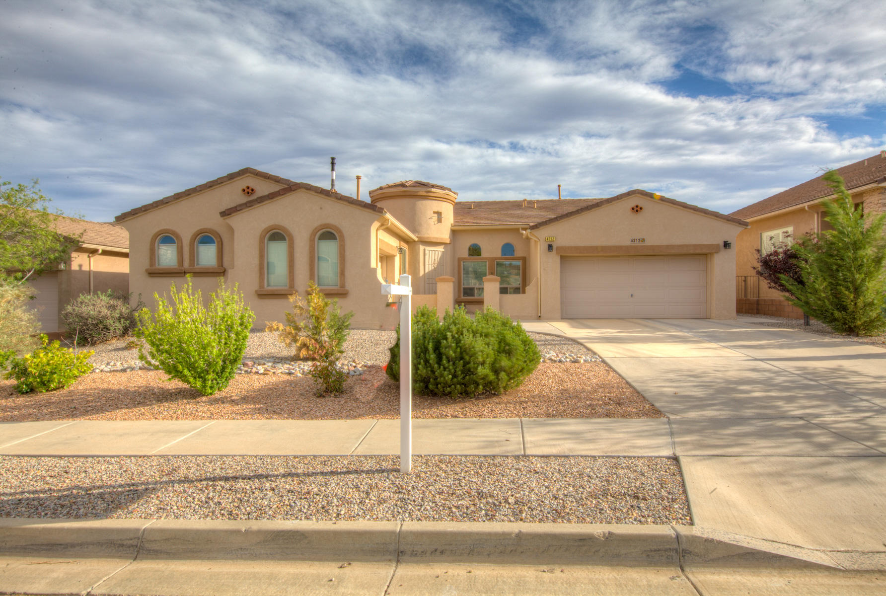******* Mountain views *******Come see this rare, 2744 square foot one story DR Horton home with .23 acre lot. Tons of extras. High ceilings * upgraded Ceramic Tile in kitchen, bathroom,* Stone counter tops * Stainless Steel Appliances *  * Insulated garage , windows, and 220 V electric *  Jetted master bathroom tub * Wrap around master bedroom closet * Formal entry way * Guest 1/2 bath * Open floor plan * Kitchen Island with breakfast bar * Fabulous back yard with trees and views covered patio area plus additional Gazebo area perfect for B-B-Q's. Make this a must see.