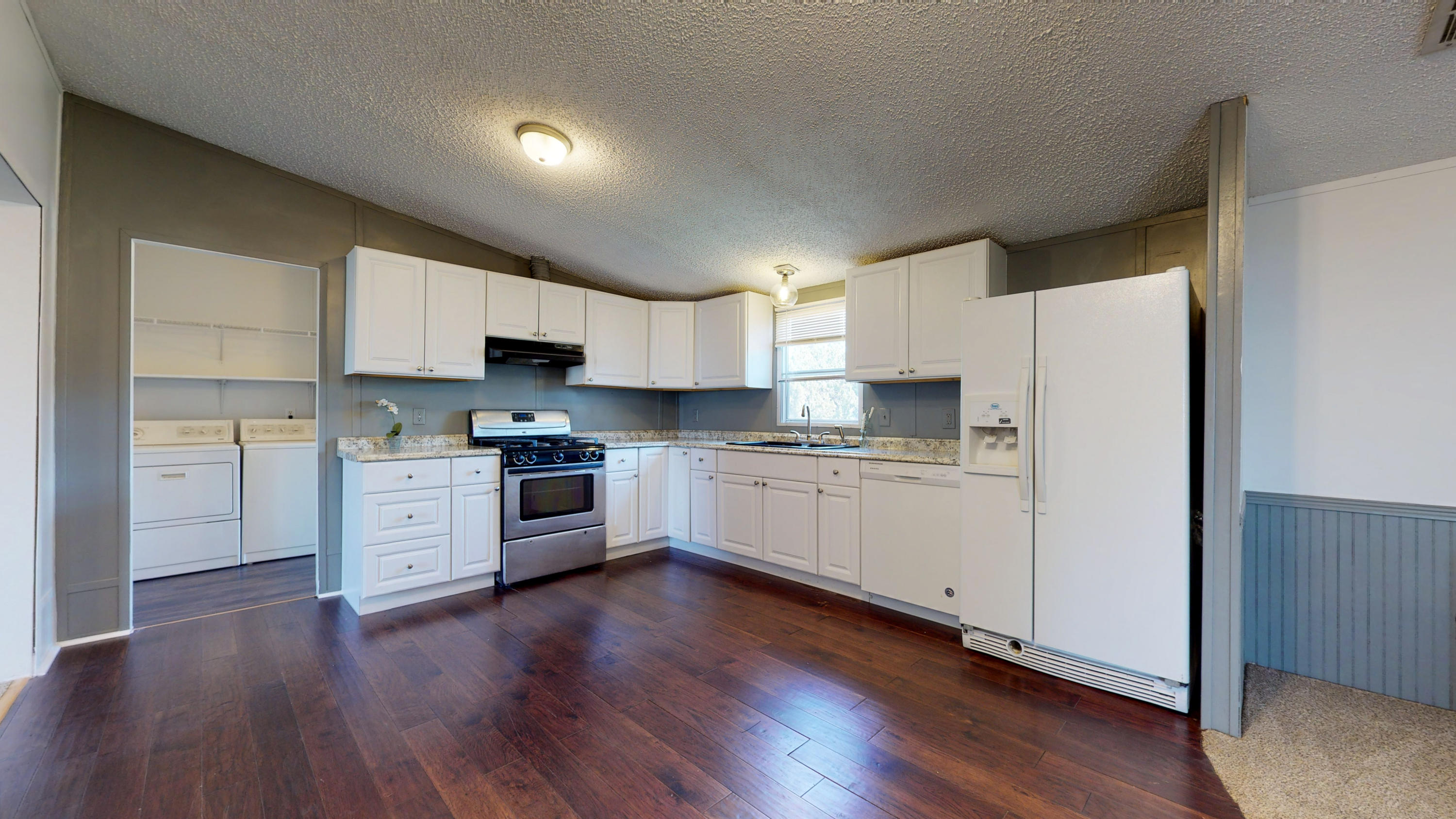 Come home to your own slice of New Mexico paradise. Large, updated, open floor plan, turn key home waiting for you, Enjoy the benefits of country living without the stress of high propane cost, dirt roads or risky wells. Get out and see this one before it's gone.