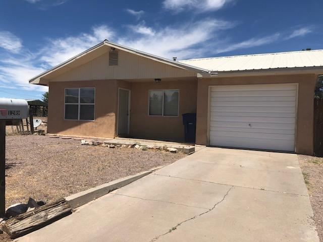 Wonderful home close to NMT.  3 bedrooms, 1 bath with an open floorplan.  HUGE corner lot!