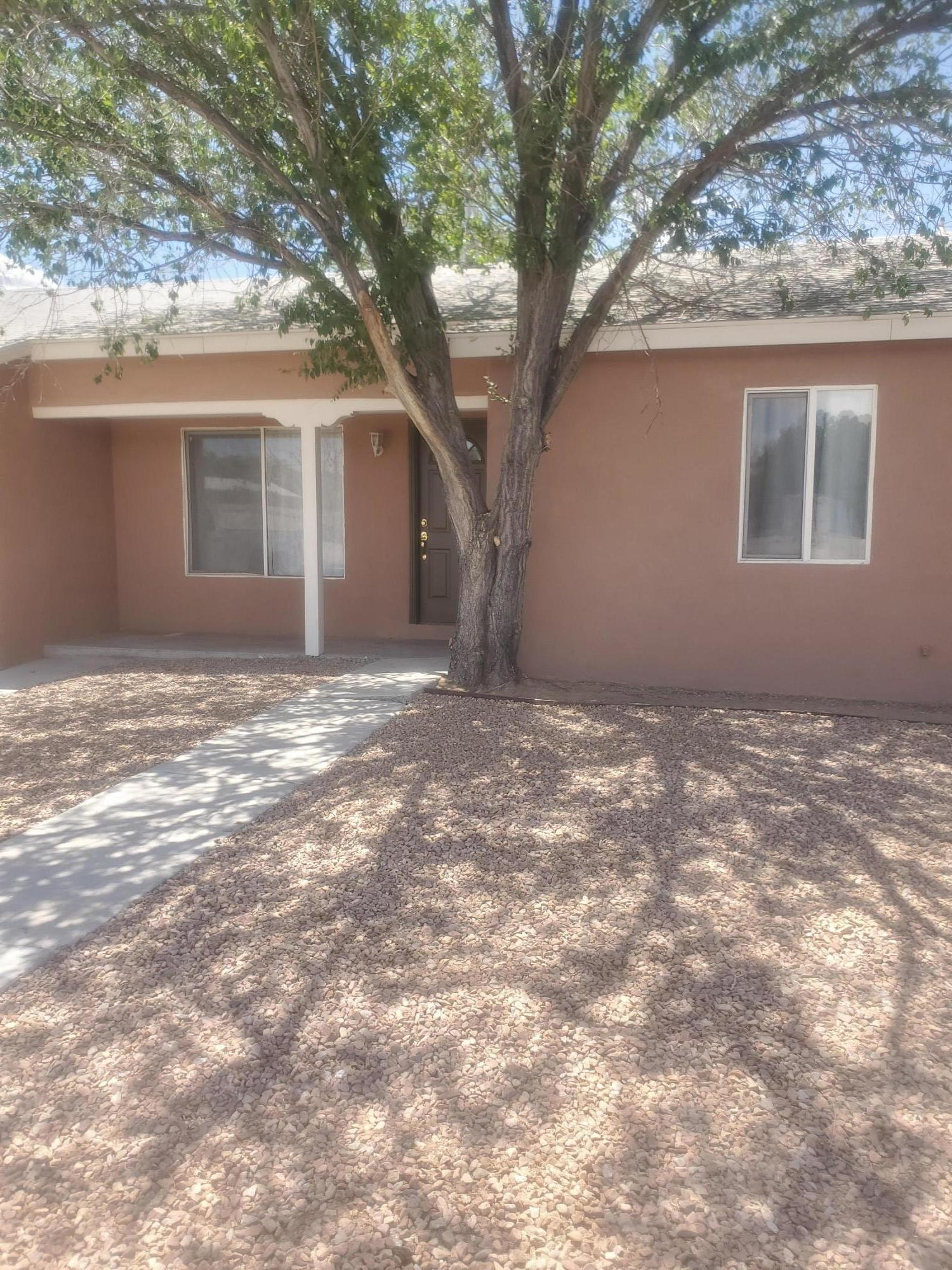 Come see this charming 2 bedroom 1 bath house located conveniently.LOTS OF UPDATED THROUGHOUT THE HOME!!!. .This adorable house is ready for you to call it home!!!