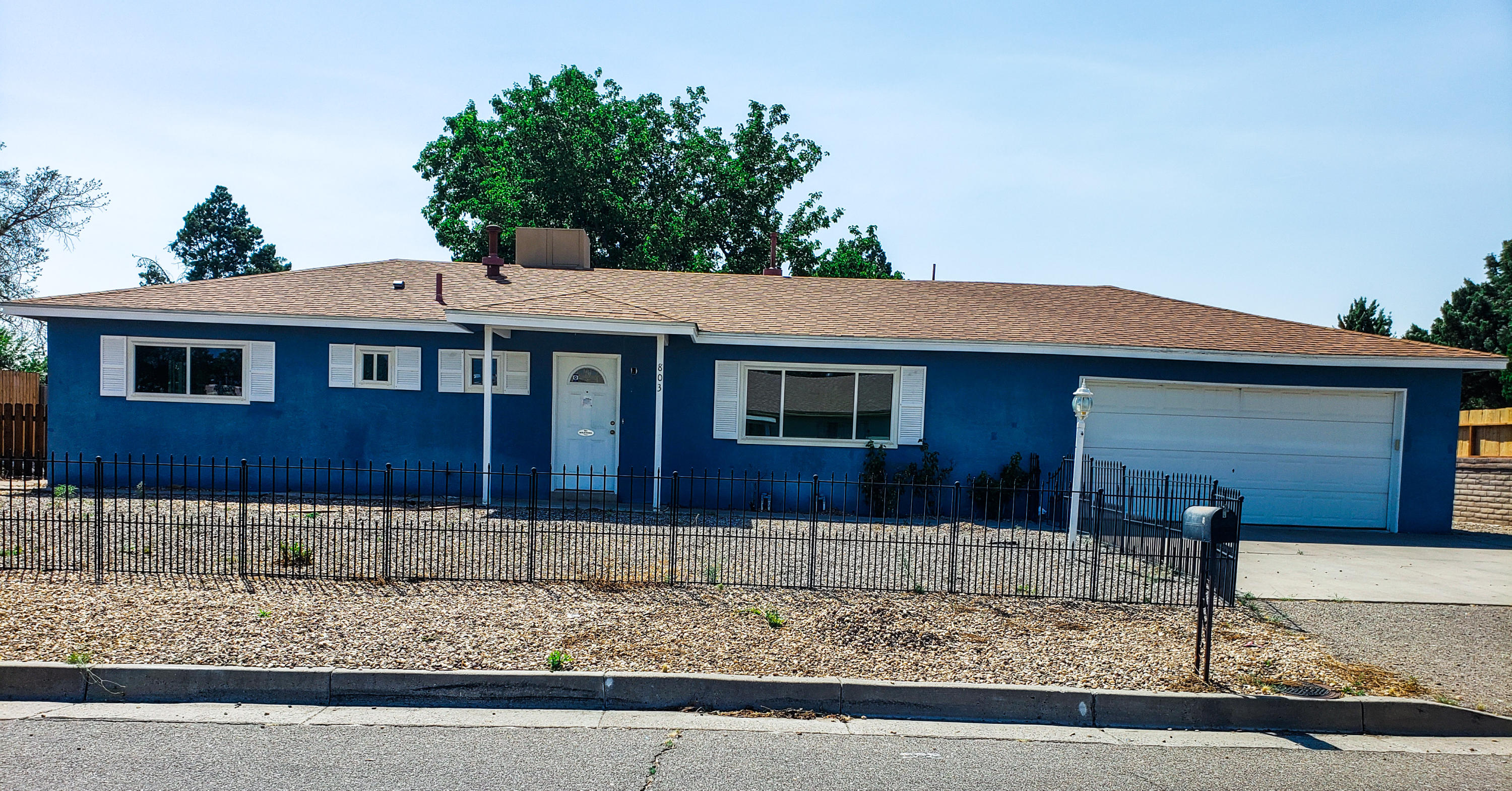 Large TWO Bed and 1.75 BATH. Walk-in closets, tile in all of the wet areas, brand new windows of a year ago, finished 2 car garage with opener! Sits on a large lot with backyard access for all of your toys!SHORT SALE