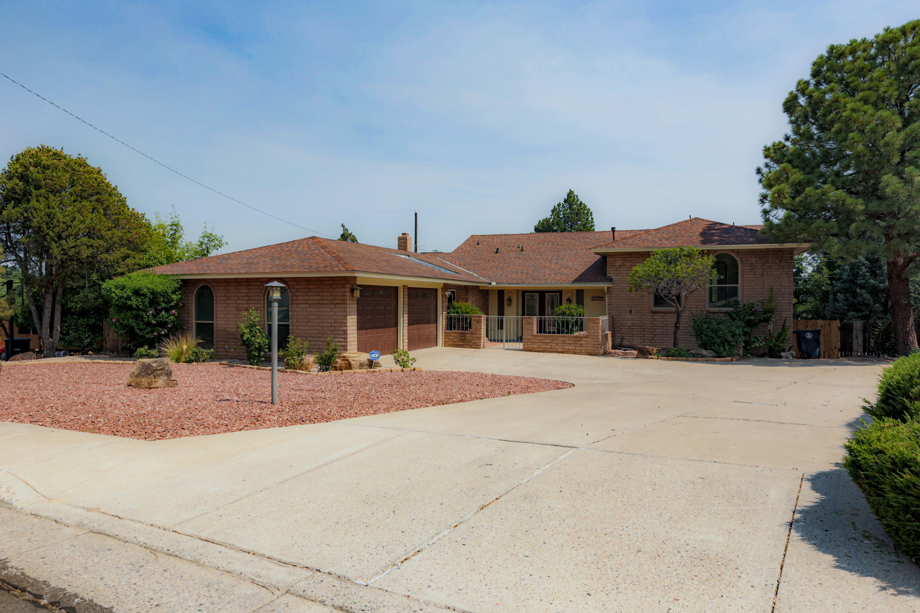 This is a beautiful house in a quiet neighborhood. This house has been totally remodeled. Some of the updates are new carpet, new bathroom vanities, all new double pane windows, new paint, all new lighting, and much more! Please come see it before it is gone.