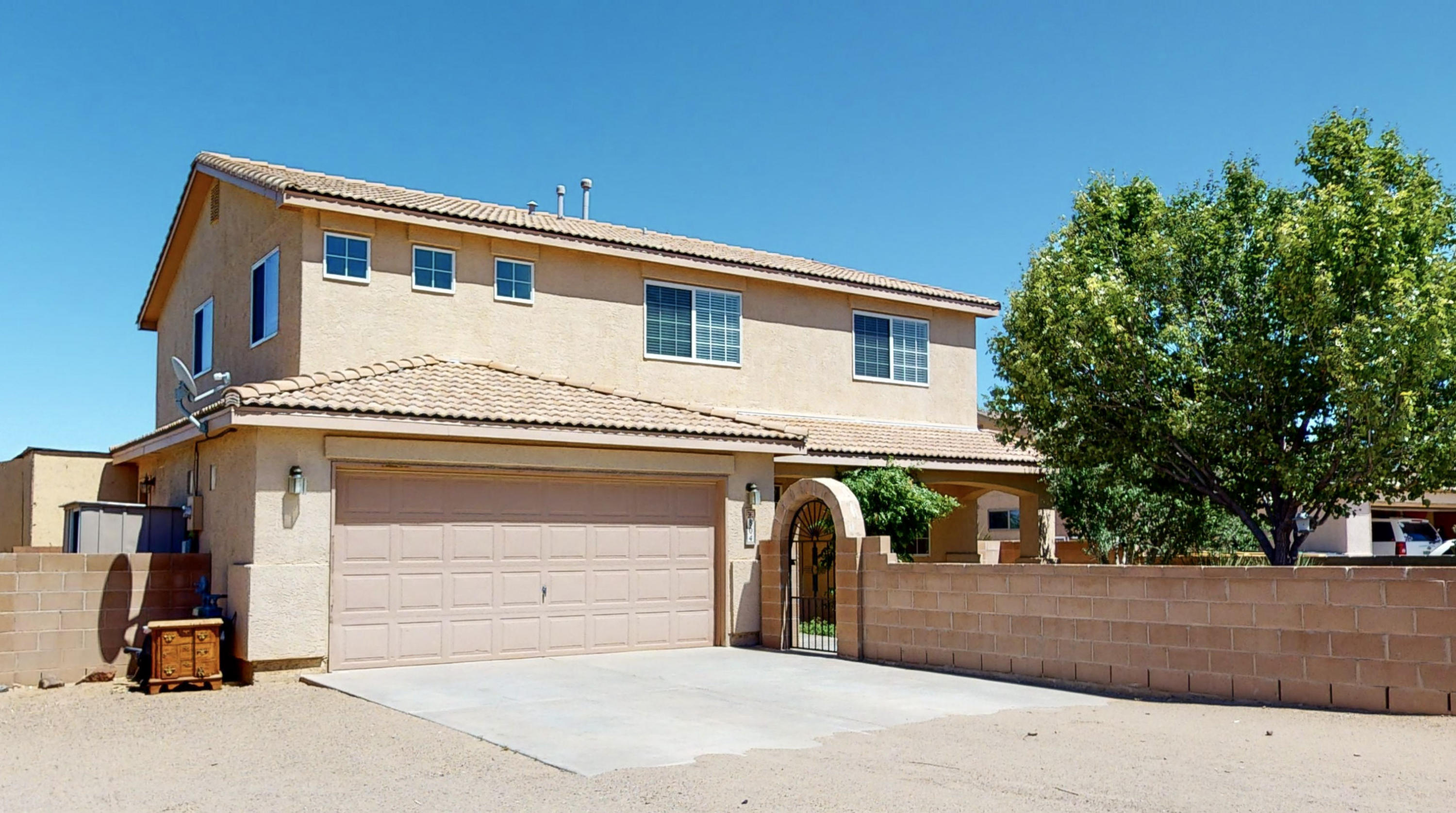 Welcome home to this magnificent home sitting on half an acre of land!The privacy and views of the sandia mountains alone are enough for you to come by and see this property in person!Come by today or check out our virtual tour!