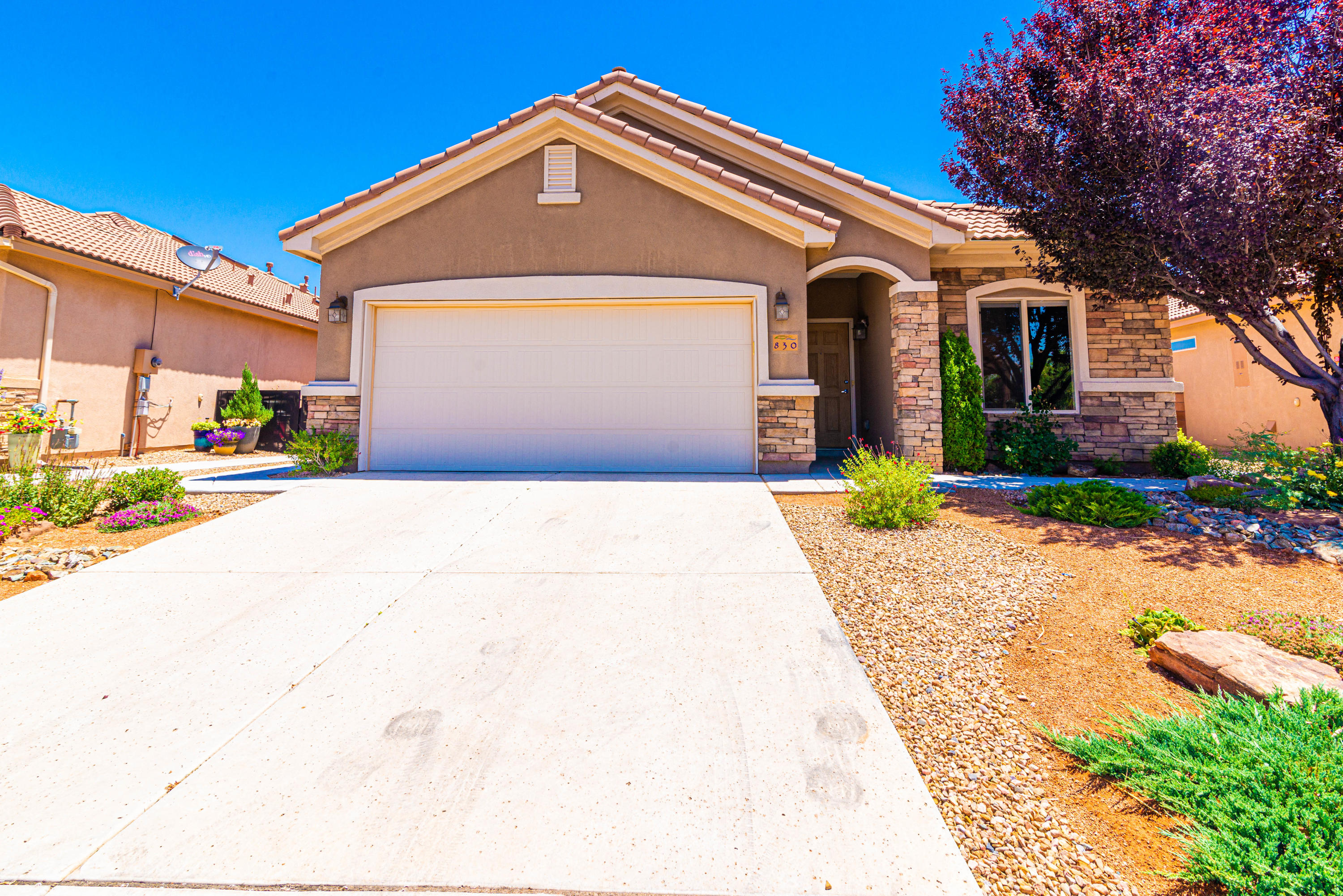 MOVE IN READY!! ALL INSPECTIONS COMPLETE! Welcome to Del Webb Alegria, a 55+ Active Adult Community!  This 'Laguna' model has 1867SF, Huge Master Bedroom w/door to back patio, Master Bath has his&hers walk-in closets, garden tub, separate shower, skylights are located in the kitchen and both bathrooms, nice size guest bedroom with full guest bath! Kitchen is open to the great room/dining and has a pantry, plenty of cabinetry and counter-top space, island and a nook!! All appliances stay including washer and dryer. Beautiful Floor Tile!! REF AIR! Gas log Fireplace with stone surround! NEW CARPET INSTALLED IN BEDROOMS JUNE 23RD.  HOME HAS JUST BEEN PROFESSIONALLY CLEANED.  Gorgeous Professional Landscaping in Front and Back along with beautiful concrete and walkways!!