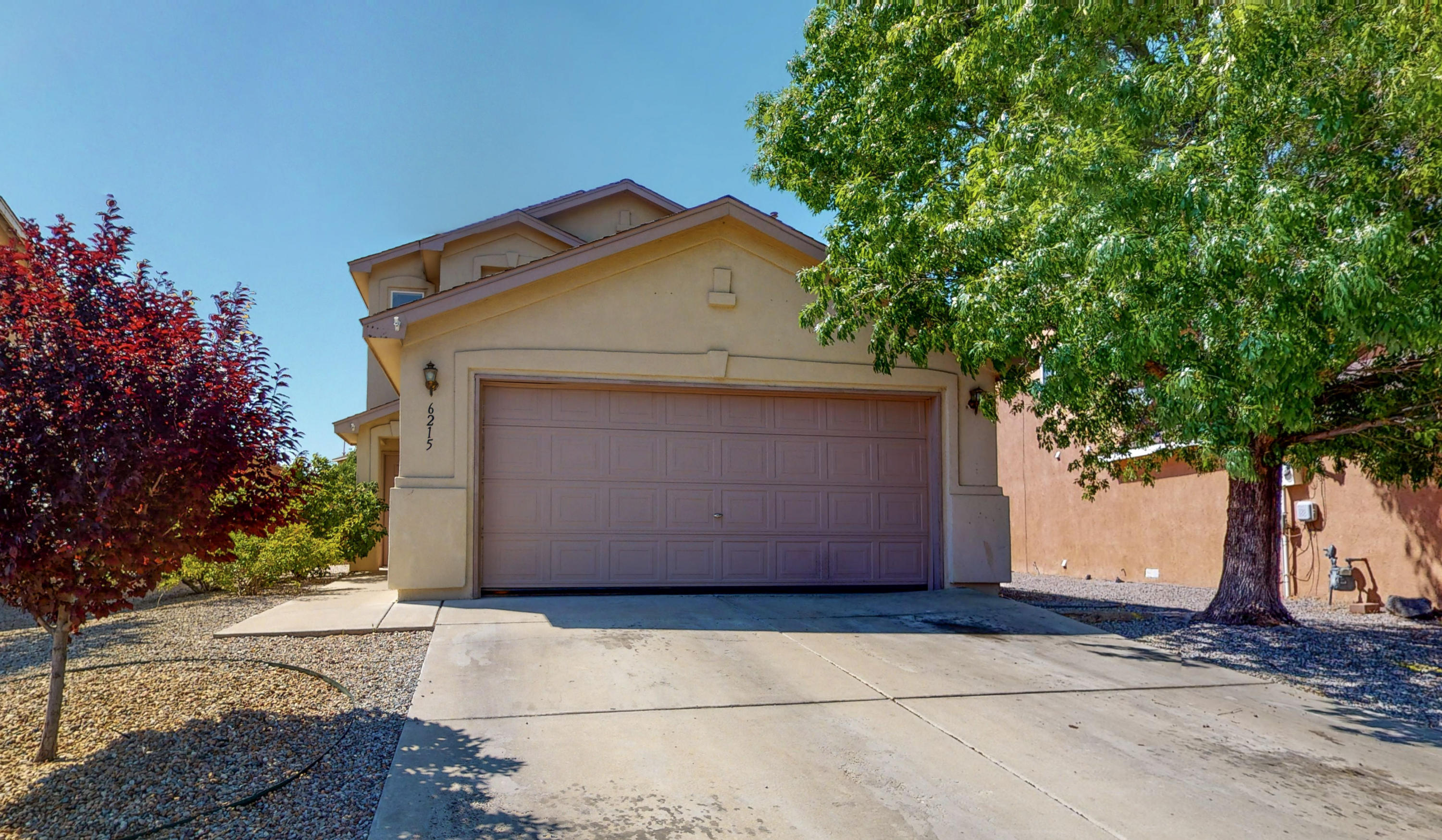 Priced to sell!  Amazing deal in highly desired Ventana Ranch.  Featuring 4 bedrooms and 3 full baths, one bedroom and full bath are located downstairs.